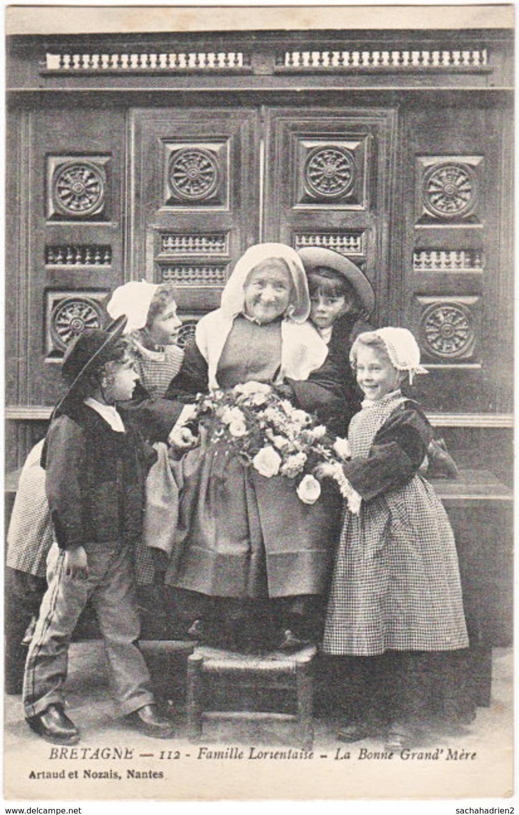 56. Famille Lorientaise. La Bonne Grand' Mère. 112 (1) - Lorient