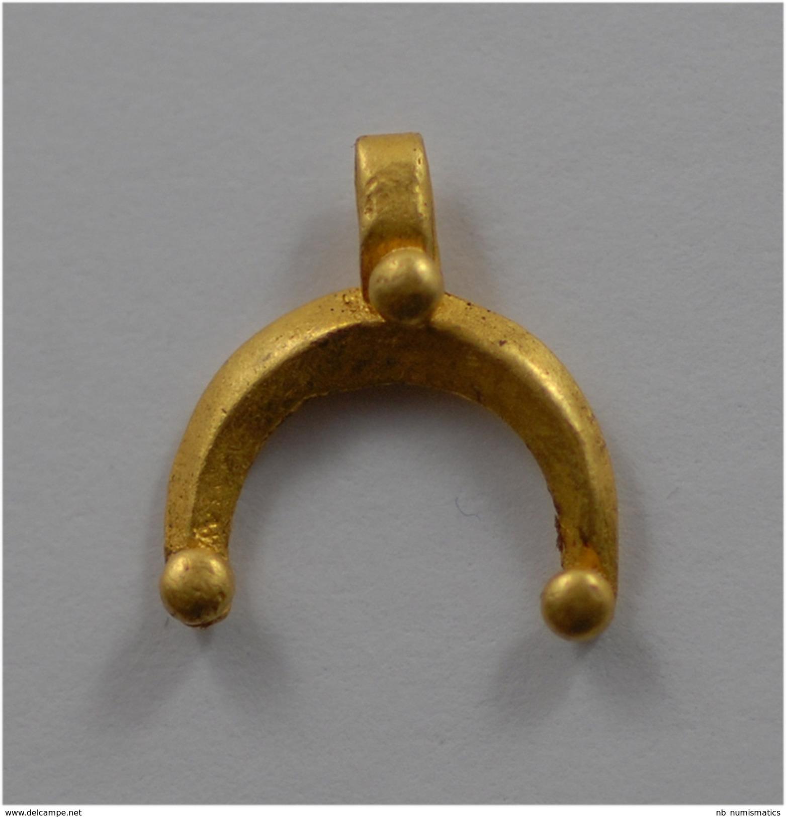 Roman Gold Lunar Crescent Pendant - Archéologie