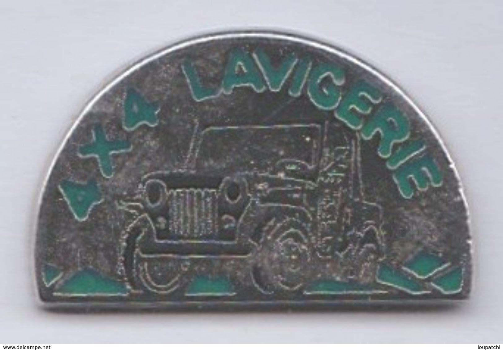 PIN S DEPARTEMENT CANTAL 4X4 LAVIGERIE - Badges