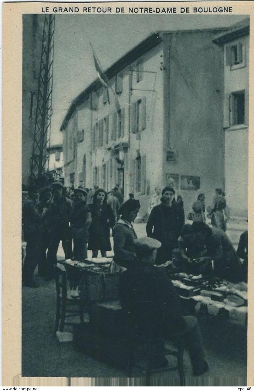 Herault, Puisserguier, Le Grand Retour De N D. De Boulogne, Face A L'Eglise, La Mairie Pavoisée - Other Municipalities