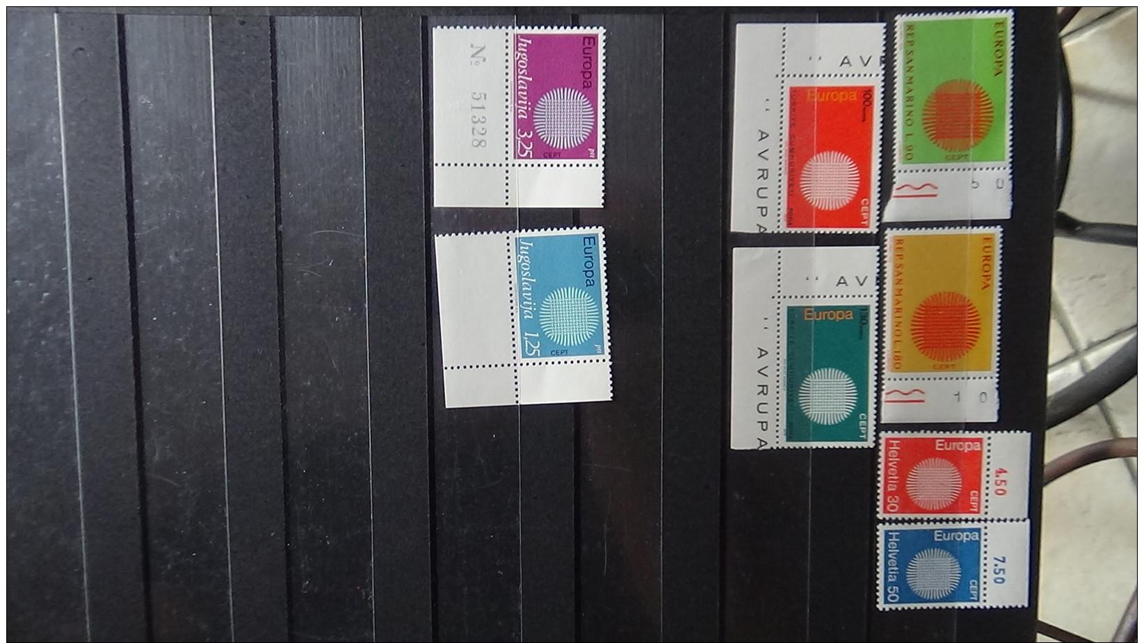 Album De Timbres Tous ** (qqs Obl) EUROPA Dont Grosses Valeurs. Voir Commentaires !!! - Collections (en Albums)