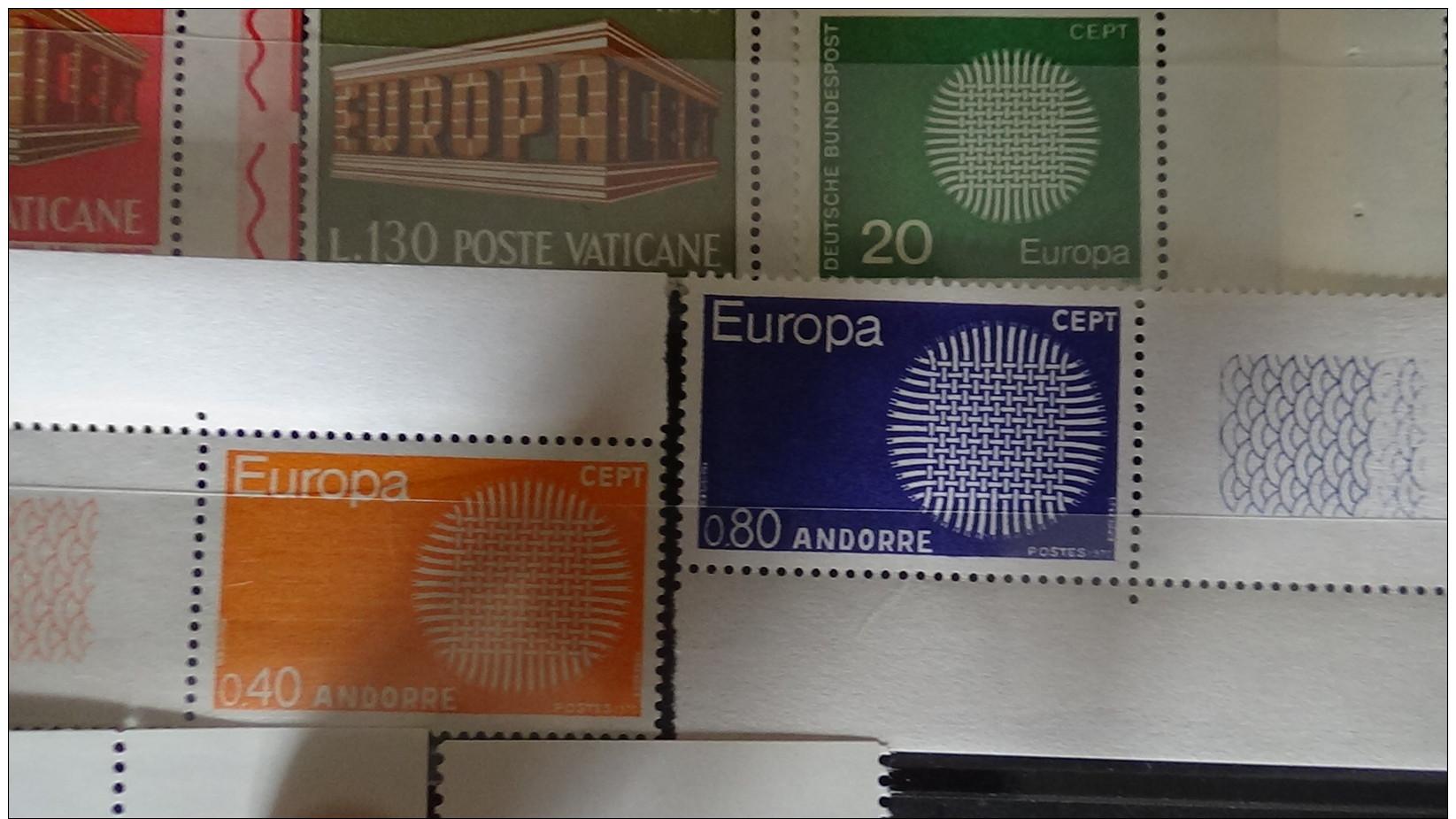 Album De Timbres Tous ** (qqs Obl) EUROPA Dont Grosses Valeurs. Voir Commentaires !!! - Timbres