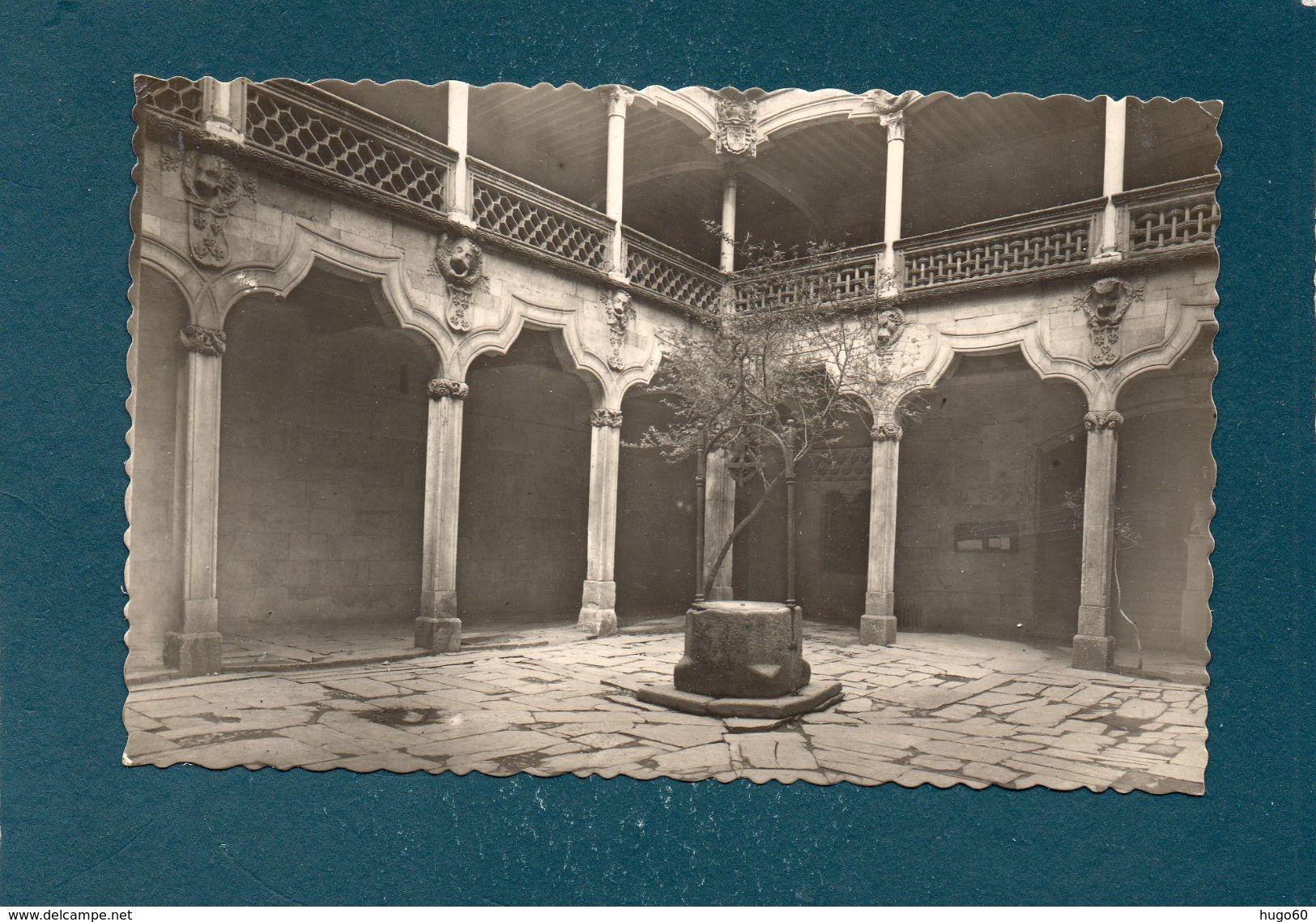 SALMANCA - Cour Dans La Maison Des Coquilles - Salamanca