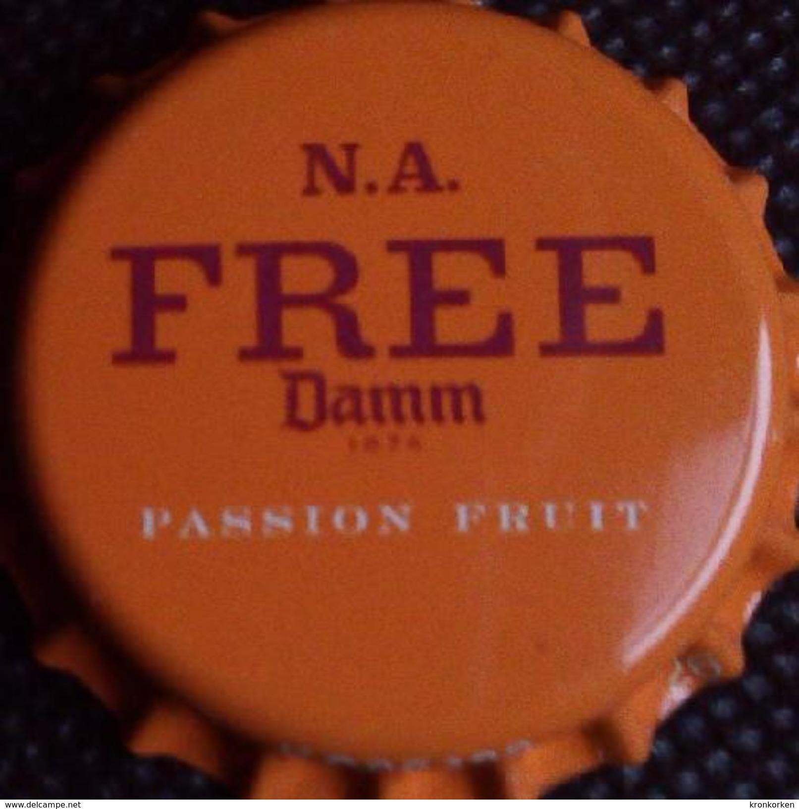 Damm Free Passion Fruit Export To Qatar + Saudi Arabia Bier Kronkorken Beer Bottle Crown Cap Chapa Cerveza Capsule Biere - Cerveza