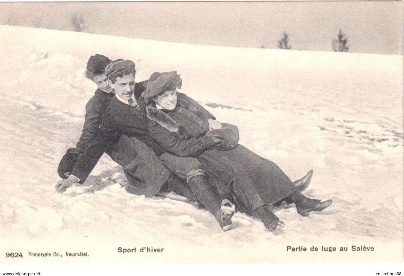 Sport D'Hiver - Partie De Luge Au Salève - France