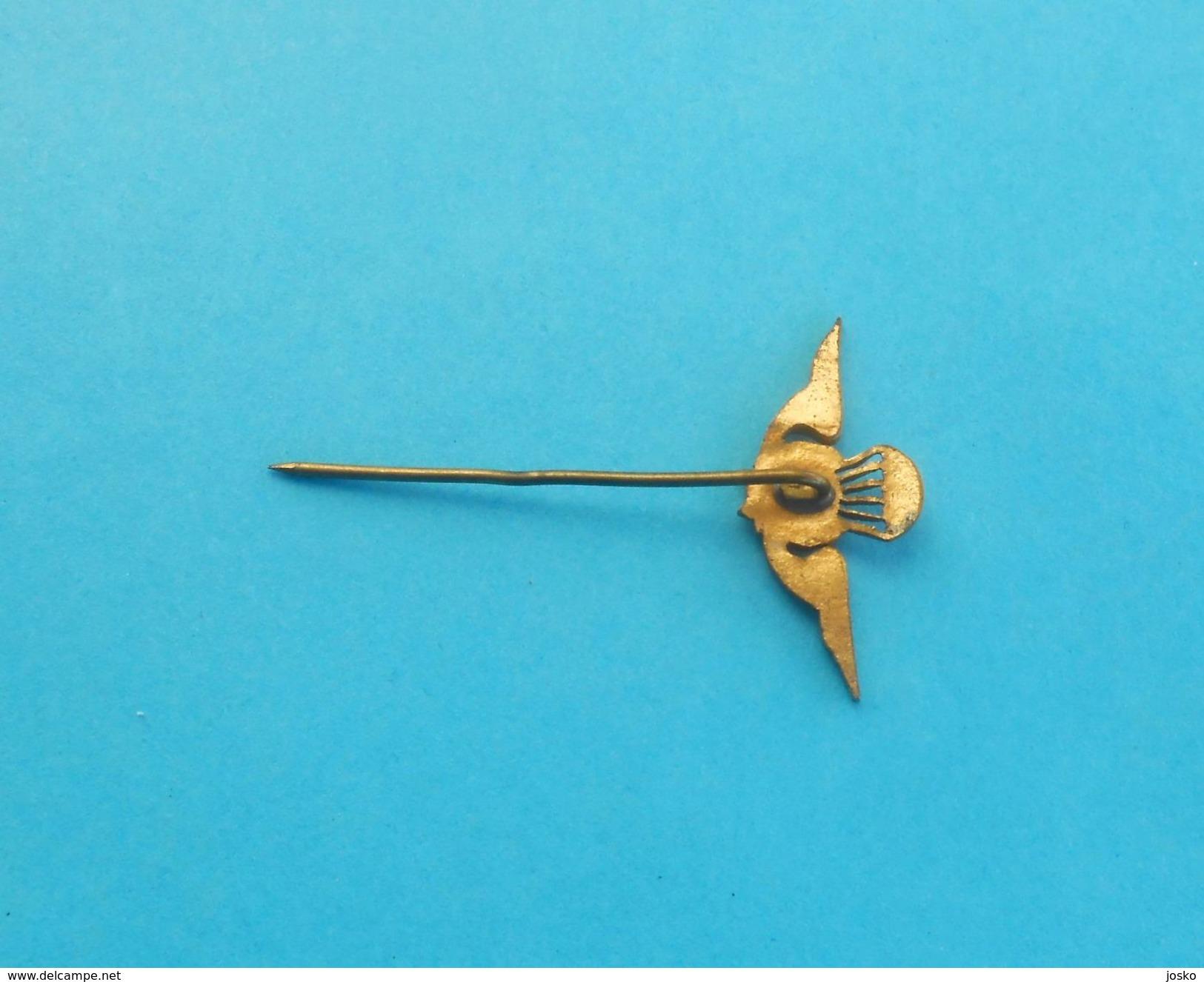 PORTUGAL PARATROOPS - Vintage Pin Badge Parachutists Paratrooper Paratroopers Parachuting Fallschirmjäger Paracadutisti - Heer