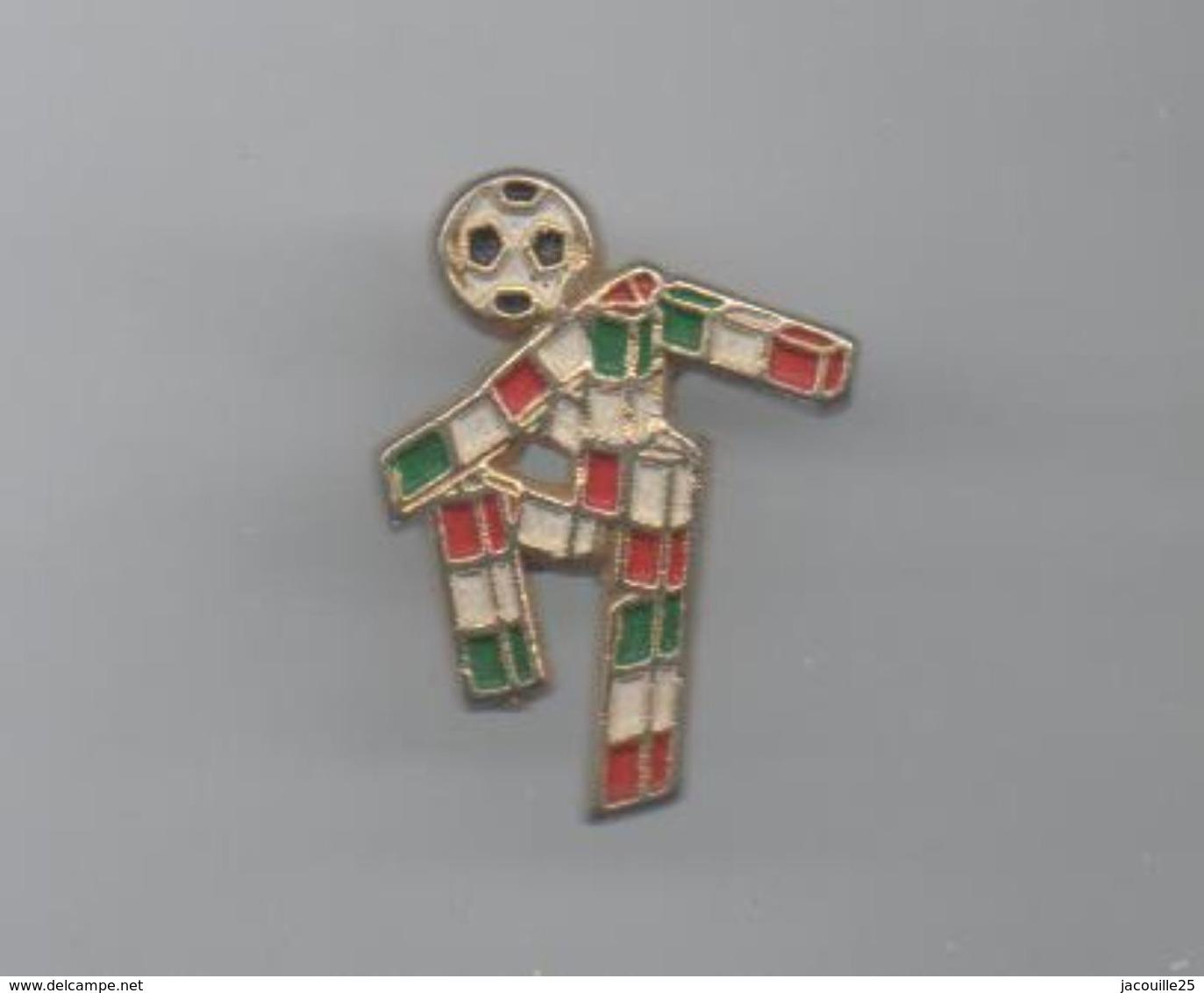 PINS PIN'S FOOT FOOTBALL WORLD CUP ITALIA 90  19 MMS - Football