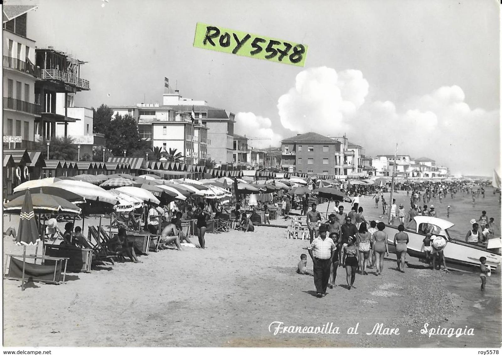 Abruzzo-chieti-francavilla Al Mare Spiaggia Animatissima Panoramica Veduta Spiaggia Affollatissima - Italia