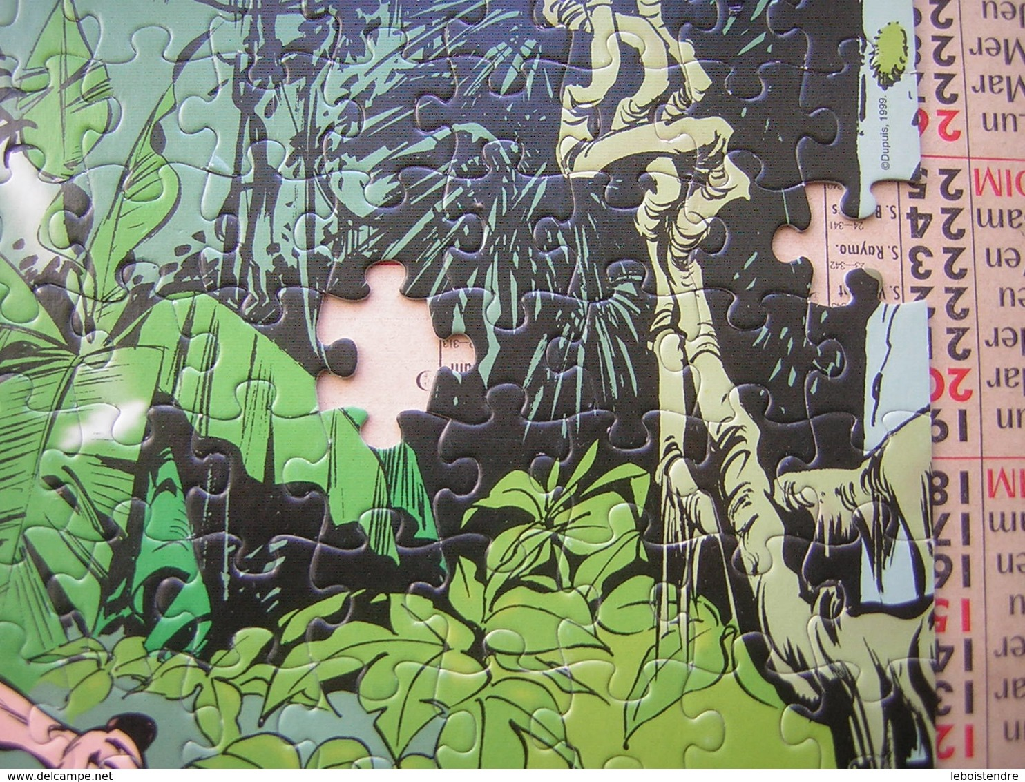 PUZZLE 200 PIECES 418 X 339 MM SPIROU MB ATTENTION MANQUE 4 PIECES RESTE 196 PIECES - Puzzles