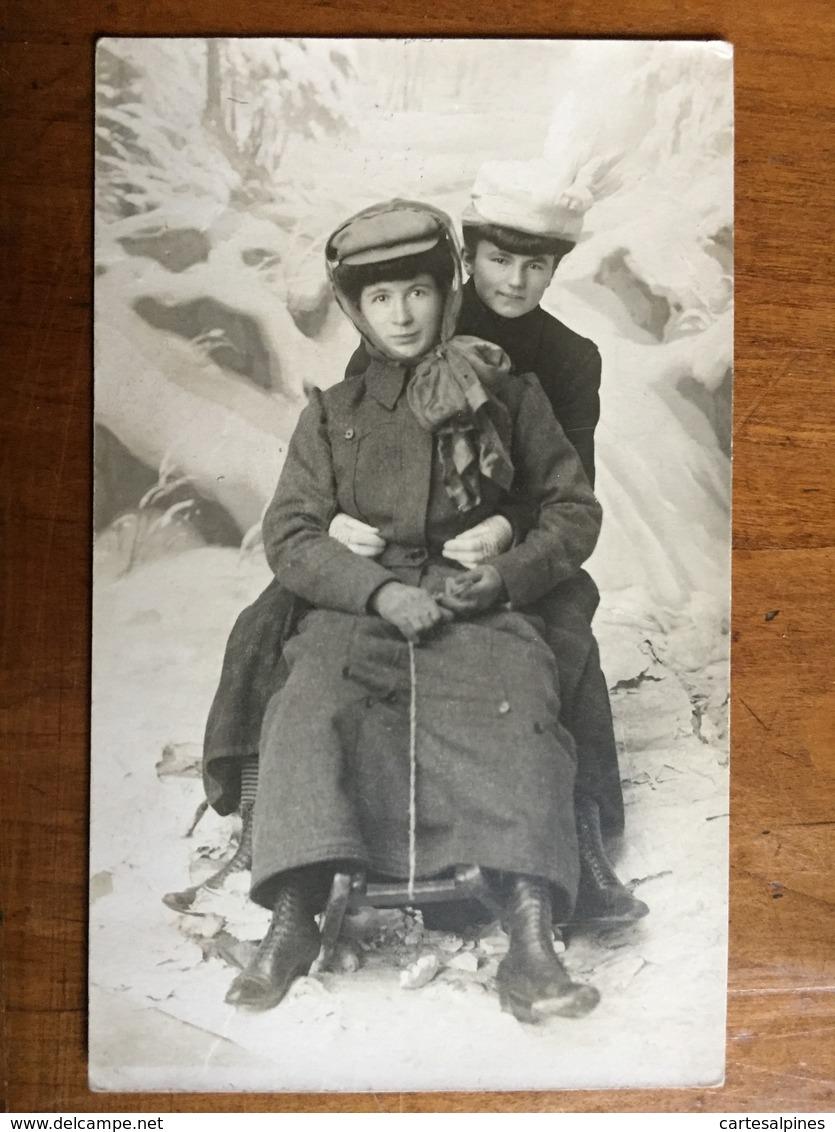(carte-photo, Sports D'hiver) Lugeuses à Annaberg. Photo Signée, 1910, SUP. - Illustrateurs & Photographes