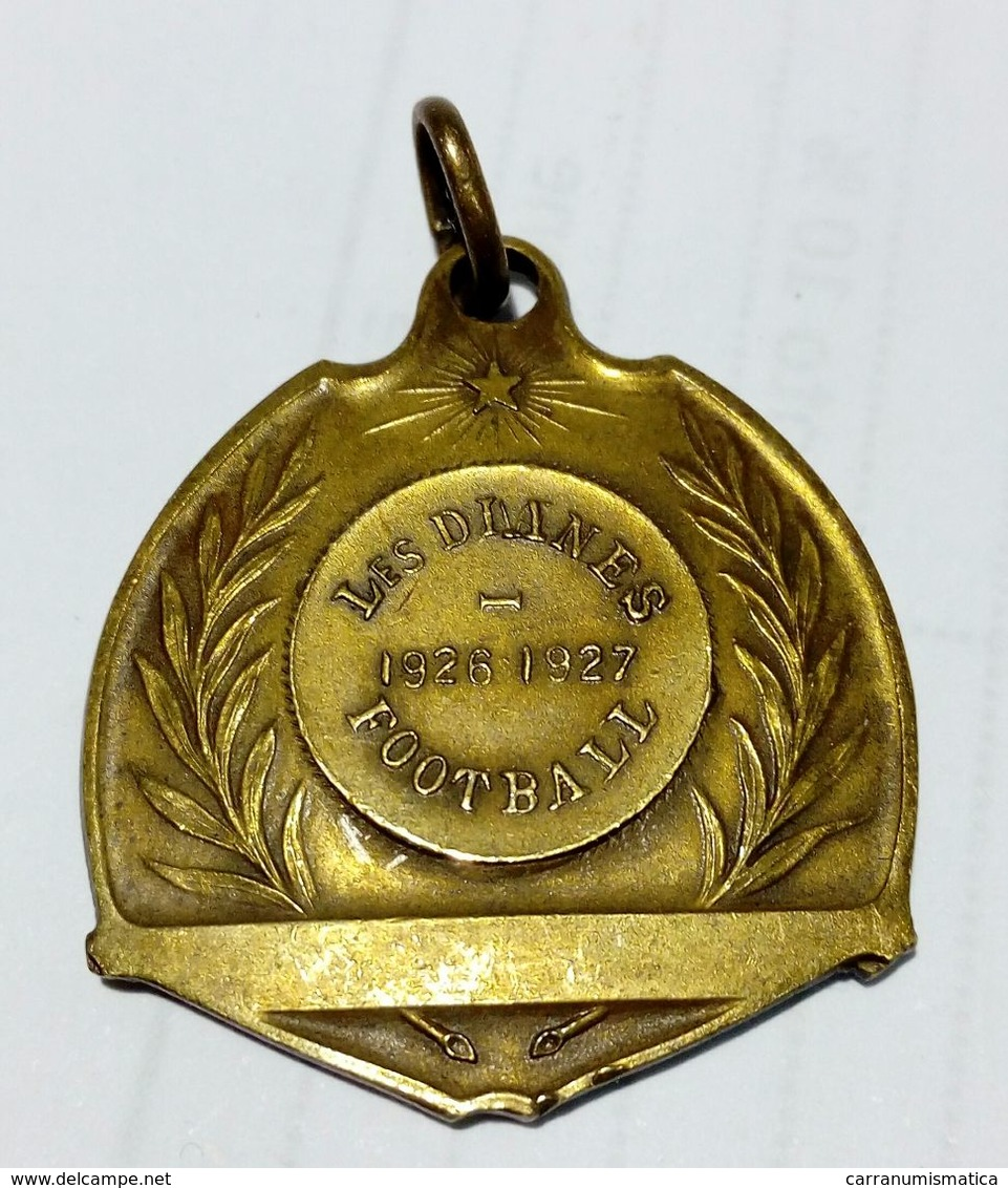 MEDAILLE - LES DIANES - Football (1926 - 1927) Bronze - 27x26 Mm - Professionali / Di Società
