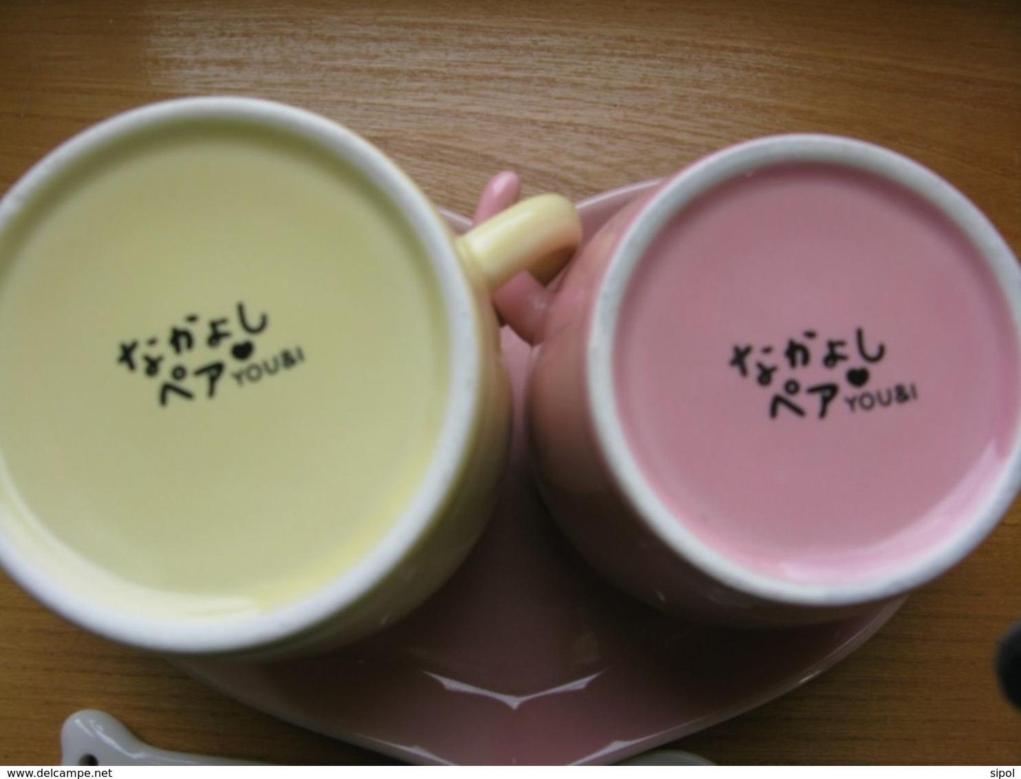 """Set De 2 Tasses - Mugs - Avec Soucoupe """" Coeur """"  Et Cuillère En Faïence Neuf - Cups"""