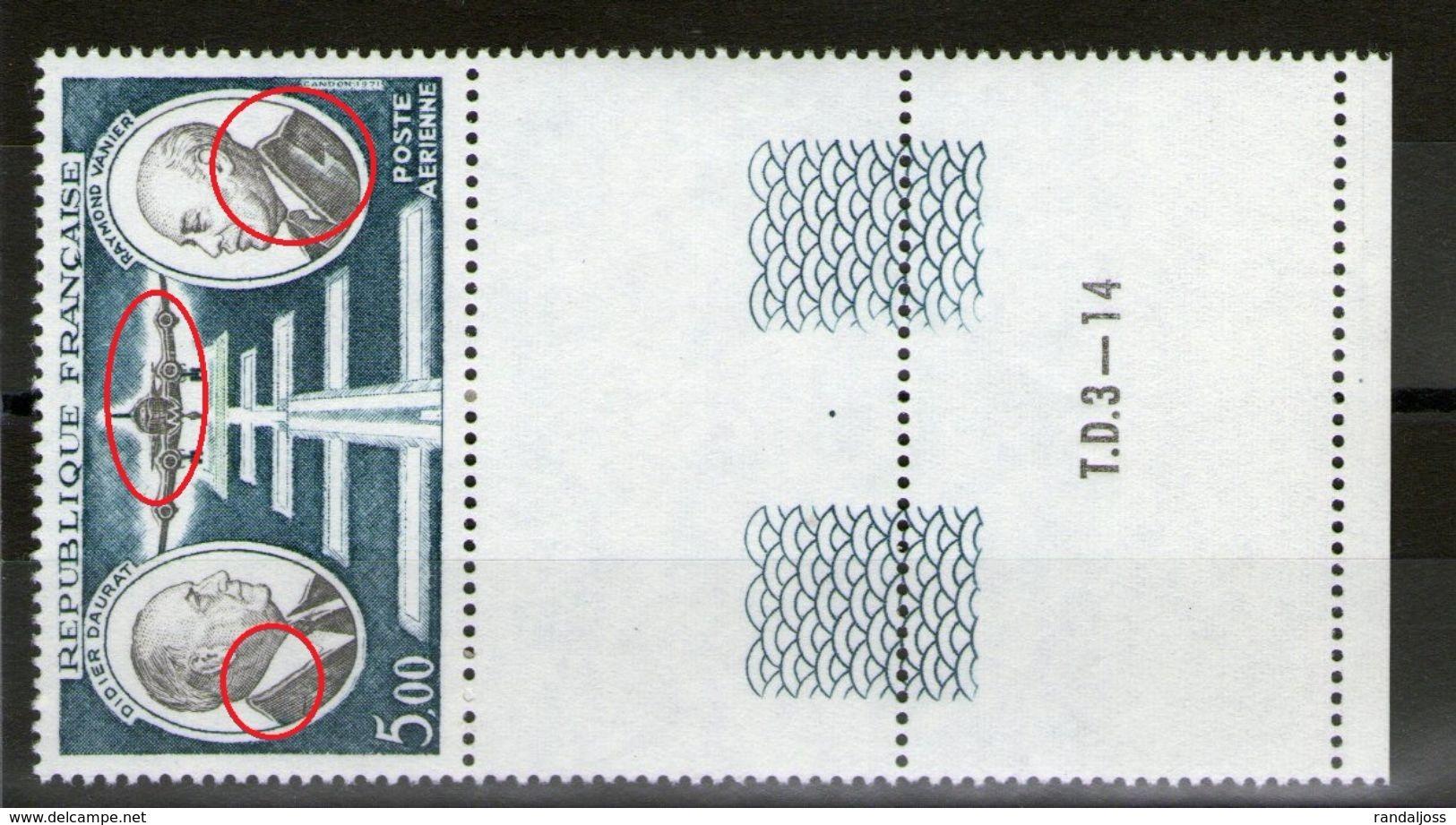 Variété PA N°46**_Cols Et Carlingue Doublés_Bord De Feuille_Presse TD3-14_voir Scans - Errors & Oddities