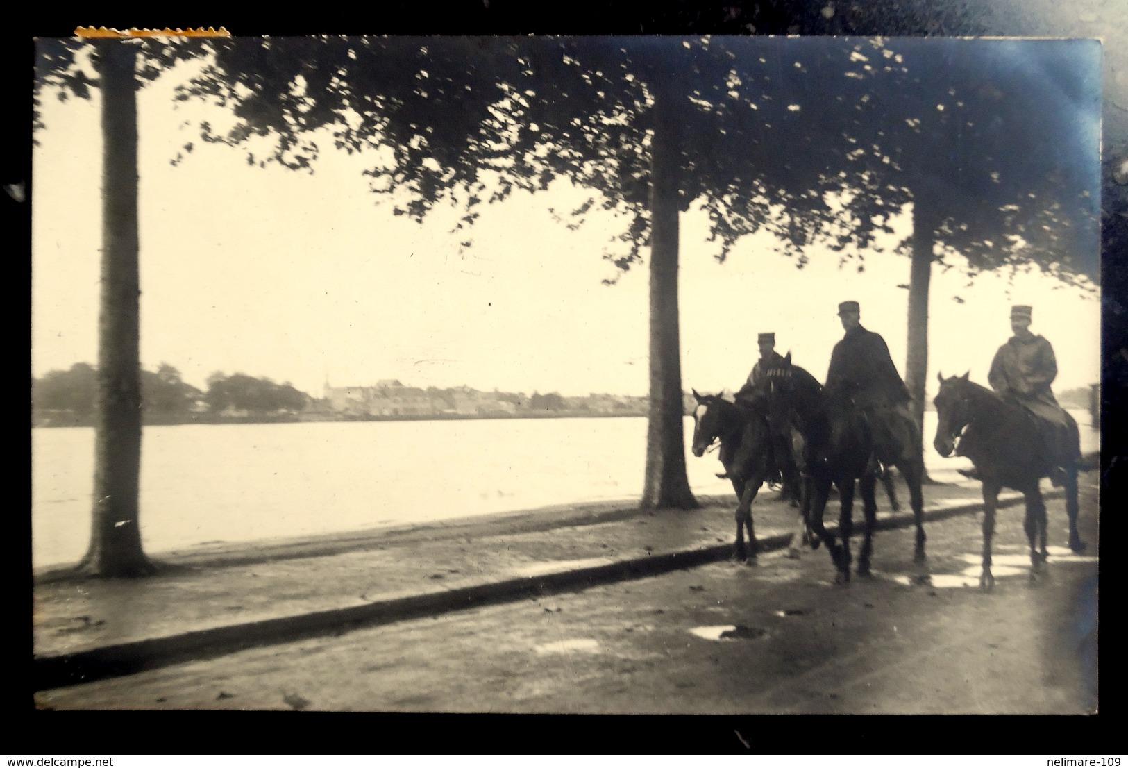 Cpa CARTE PHOTO MILITARIA MILITAIRES à CHEVAL à ORLEANS, Au COLONEL TASSIN Commandant Le 94° INFANTERIE à BAR LE DUC - Orleans