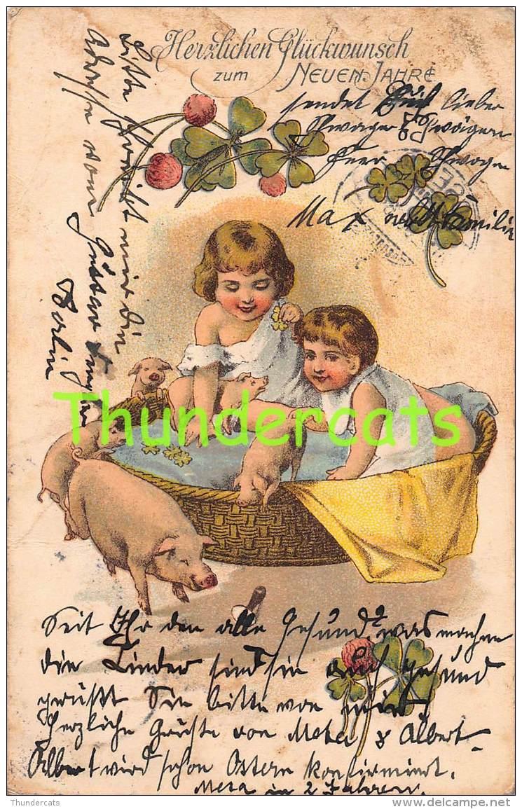 CPA LITHO ENFANTS COCHON COCHONS LITHO CARD CHILDREN PIG PIGS ( PLIS ! CREASES ! ) - Cochons