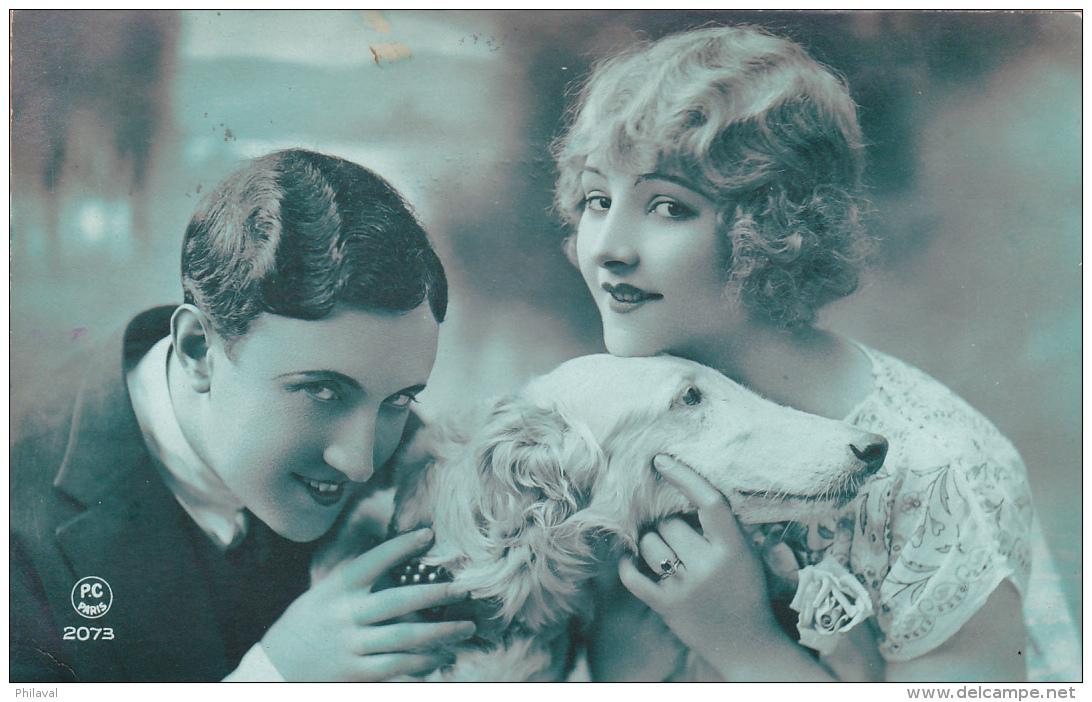 Jeune Couple Avec Leur Chien - Oblitérée Echallens Le 4.IV.1927 - Couples