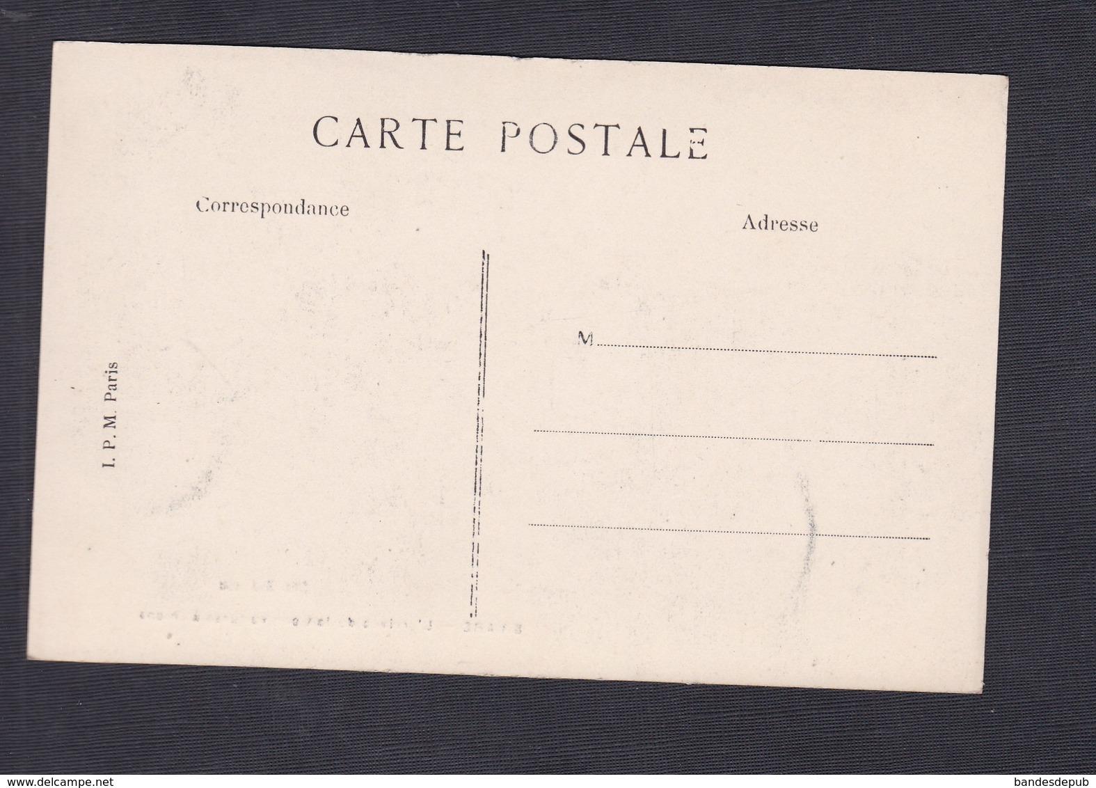 Vente Immediate Briare L' Arrivee Du Lait Par Voitures à Chiens ( Laitier Voiture Chien Attelé Ed. Bodineau) - Briare