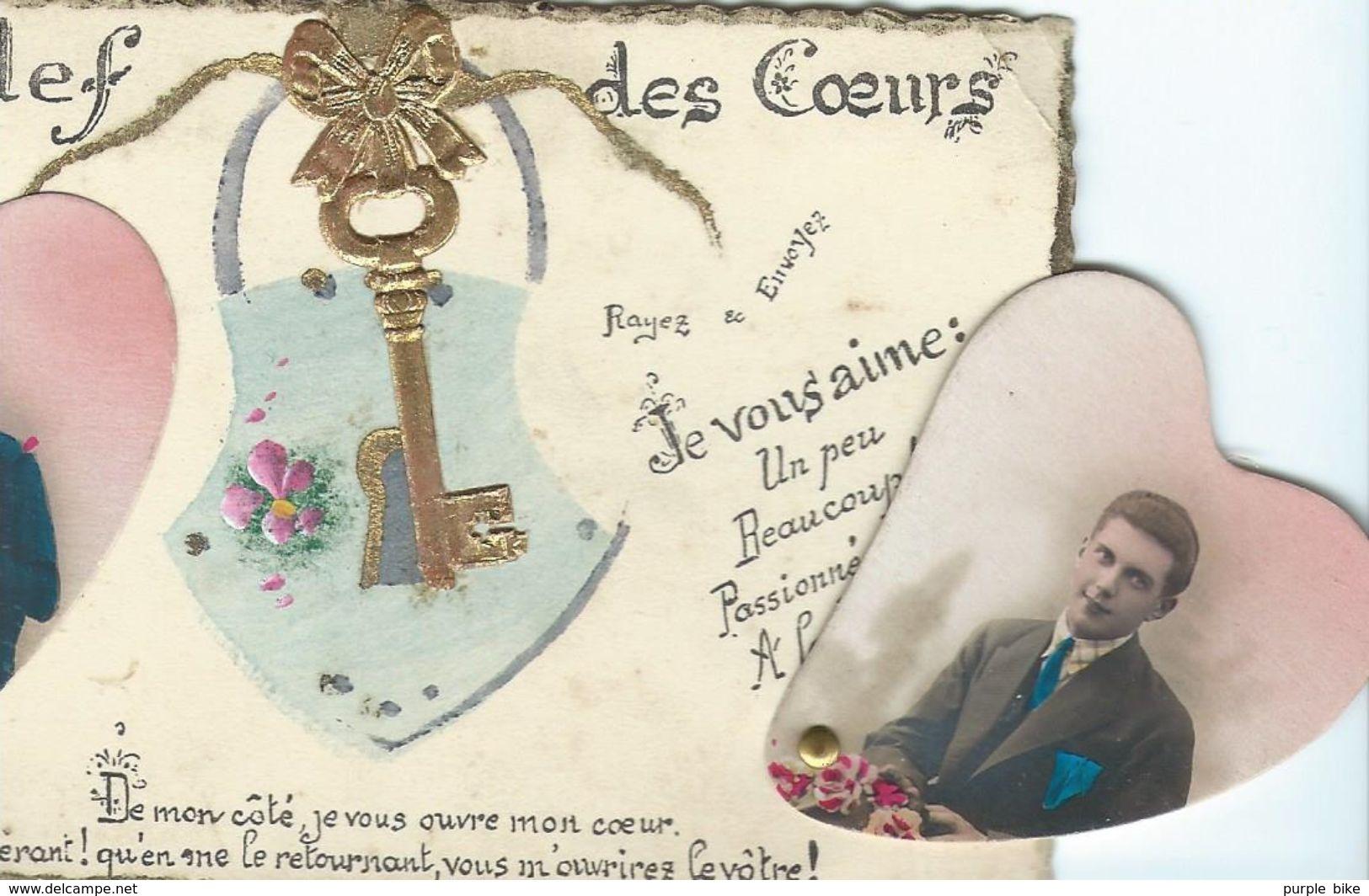 Fantaisie Carte à Système Cachant Des Messages D'amour  Couple Coeurs Et Dorures  Clé Chaine Clef - Couples