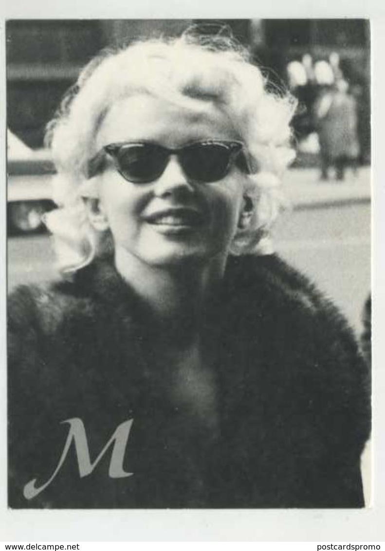 Marilyn Monroe Postcard  ( 2 Scans ) - Schauspieler