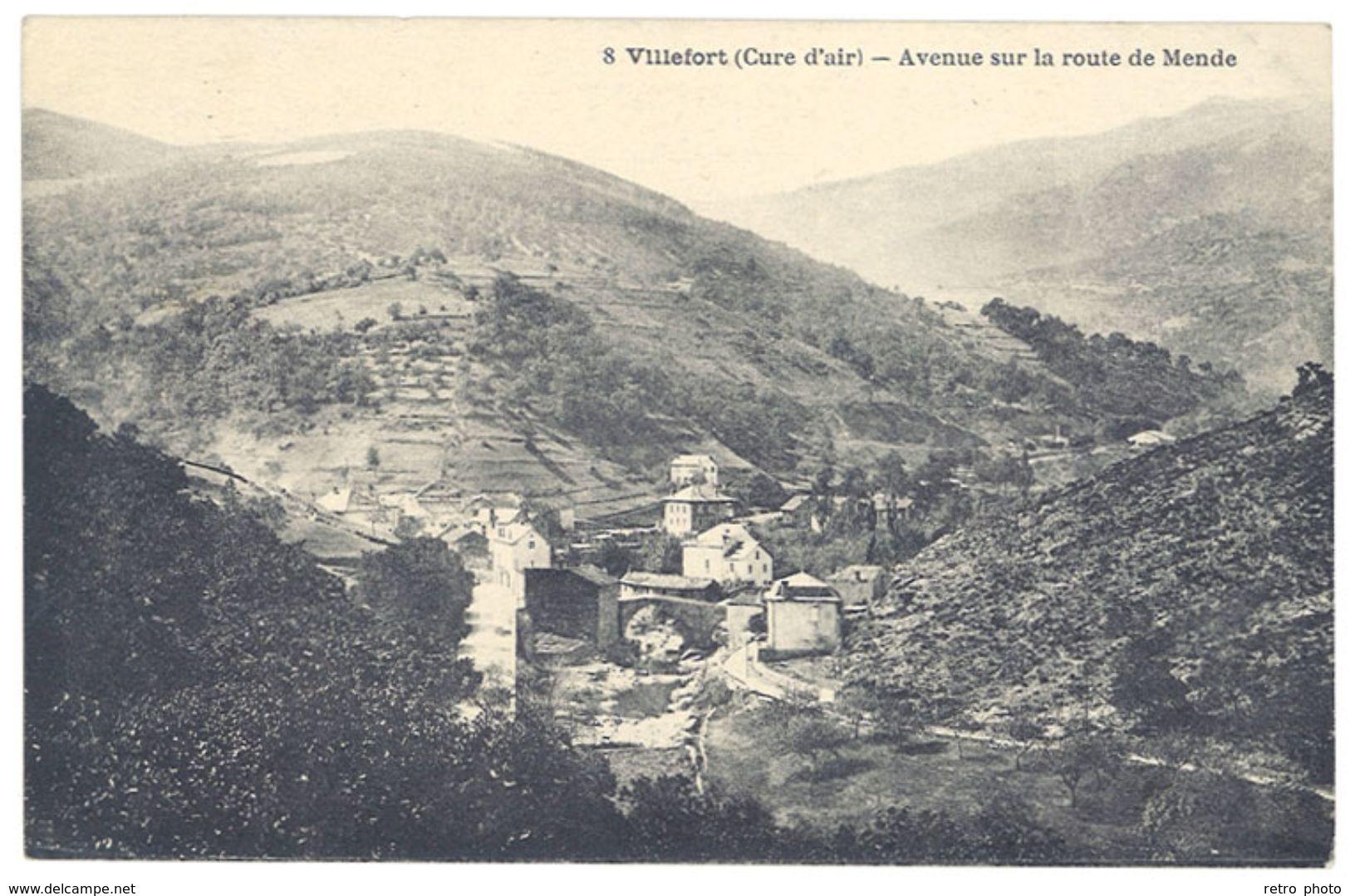 Cpa Villefort - Avenue Sur La Route De Mende - Villefort