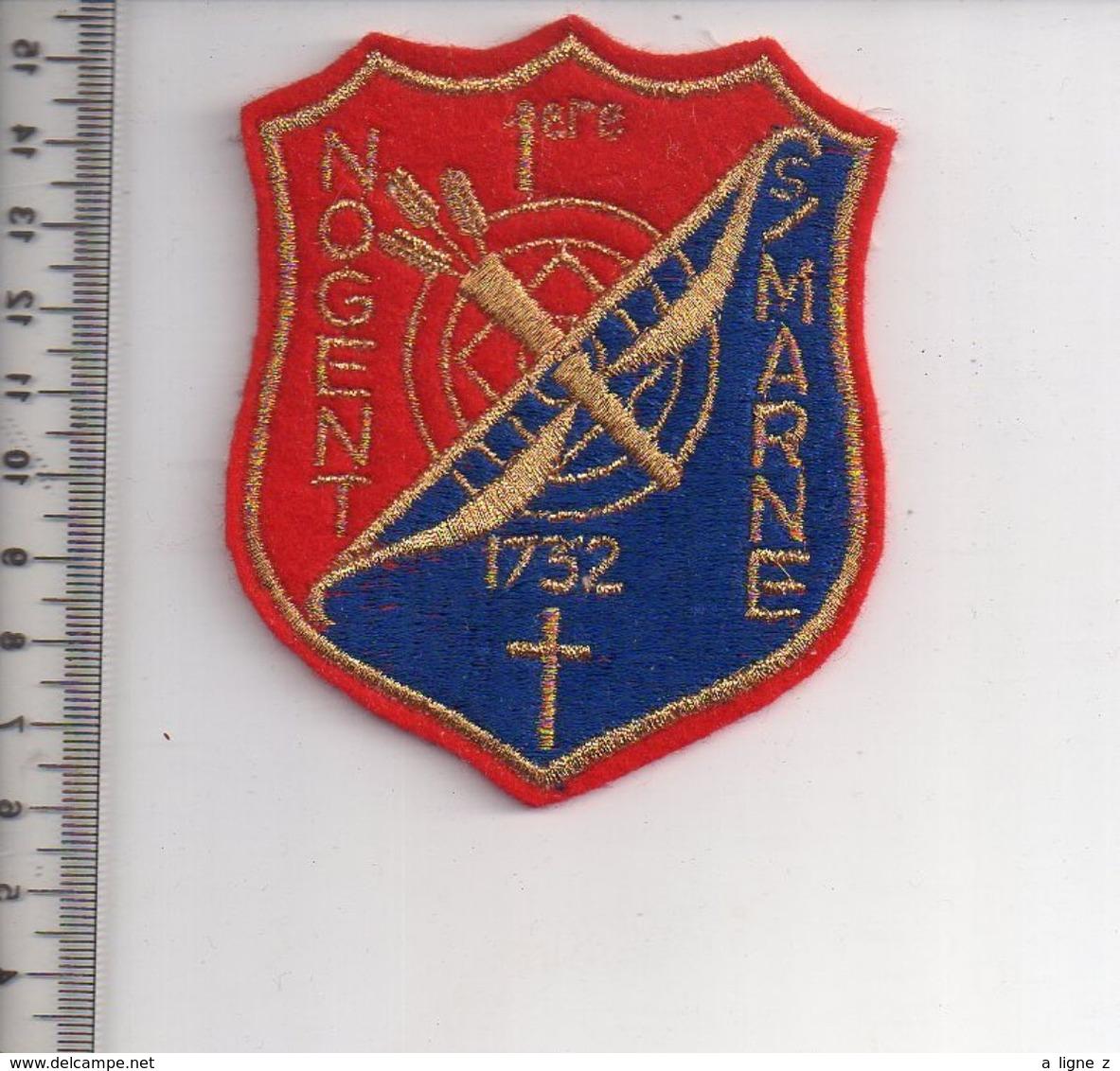REF 10 : Écusson Patch Thème TIR A L'ARC Archerie Archer Arc Club NOGENT SUR MARNE - Tiro Con L'Arco