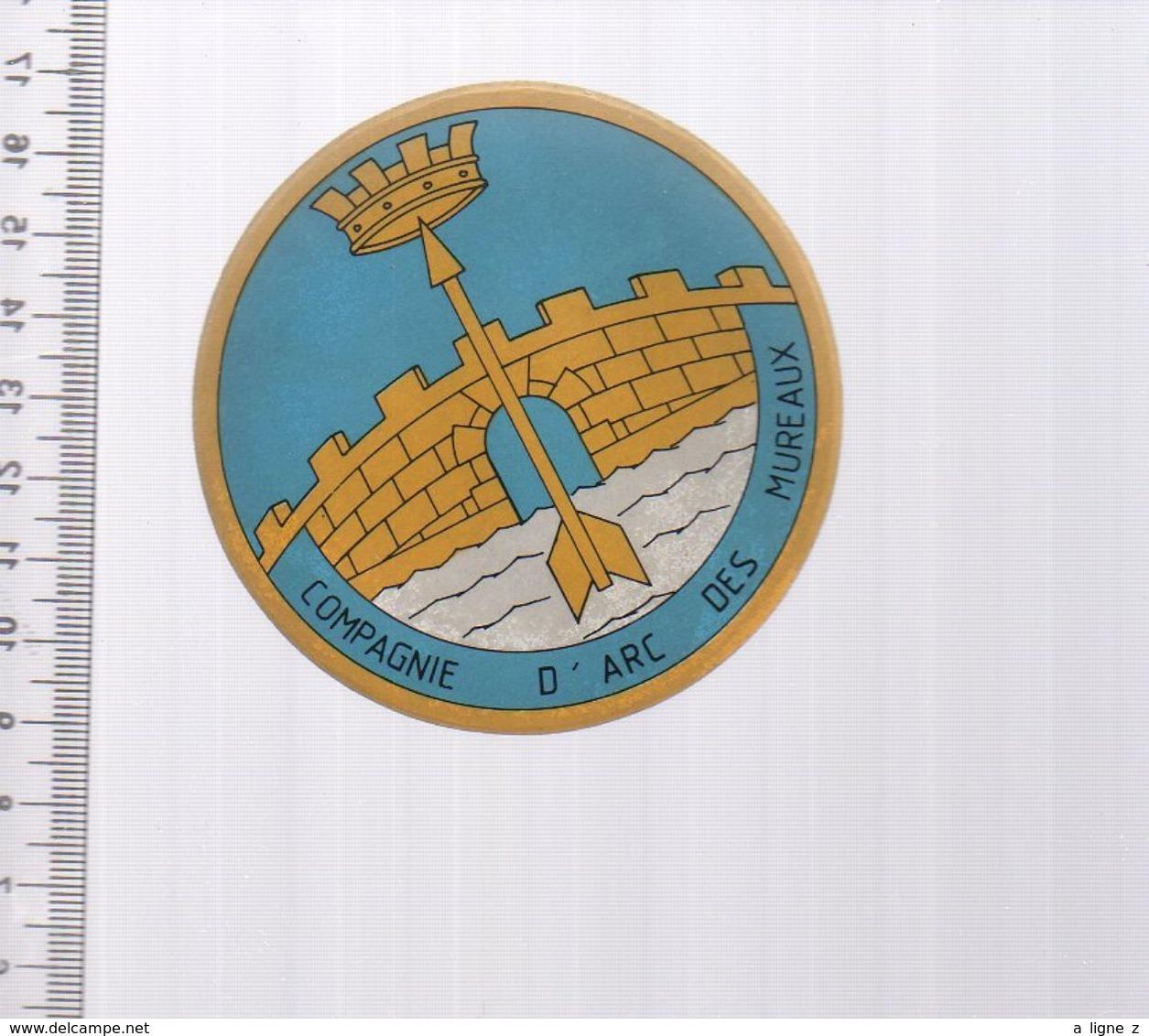 REF 10 : Autocollant Sticker Thème TIR A L'ARC Archerie Archer Compagnie Les Mureaux - Tiro Con L'Arco