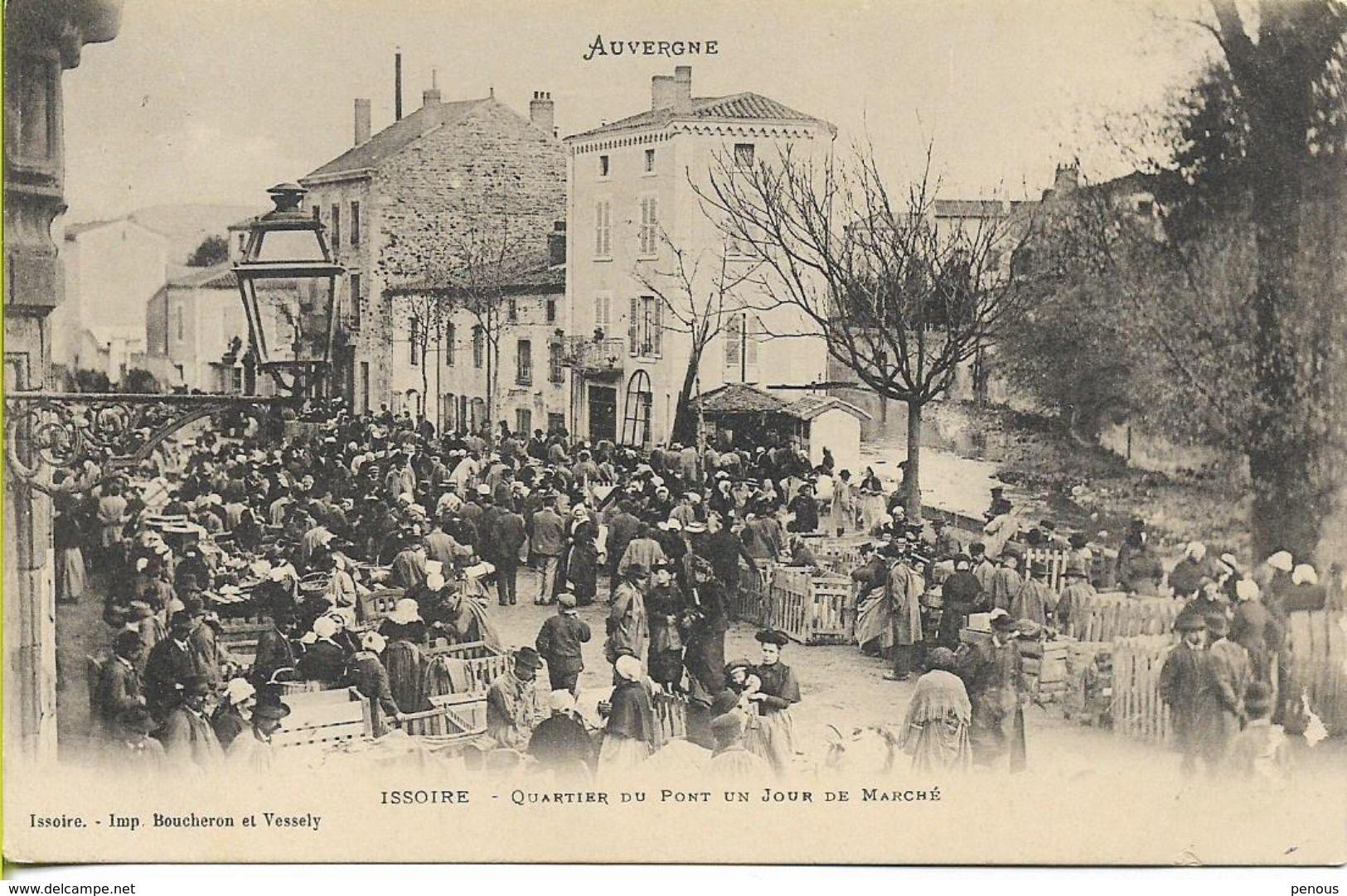 ISSOIRE   Quartier Du Pont Un Jour De Marché - Issoire