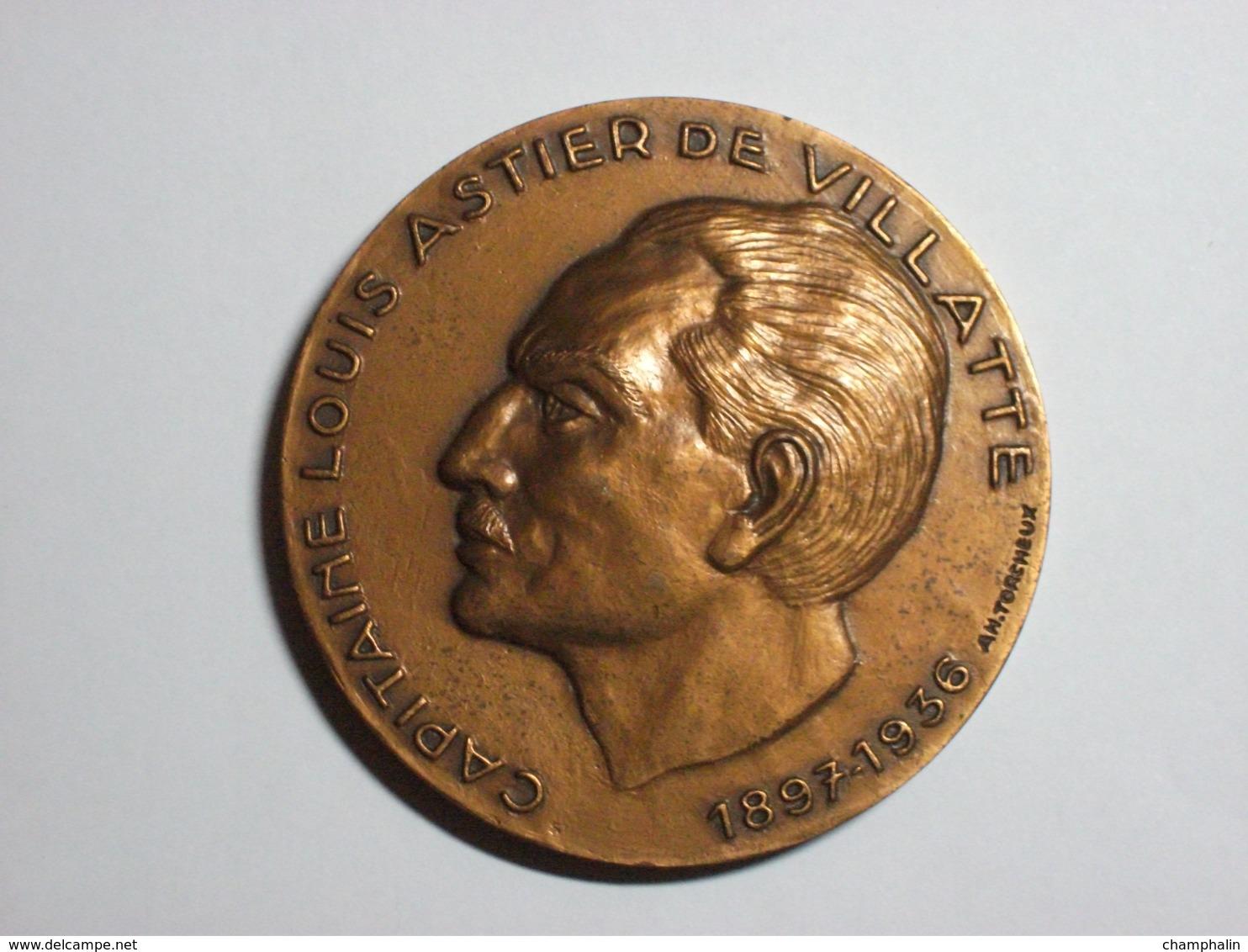 Médaille Capitaine Louis Astier De Villatte - Cinquantenaire 1986 - Graveur A.H. Torcheux - Bronze - Armée Parachutiste - Profesionales / De Sociedad