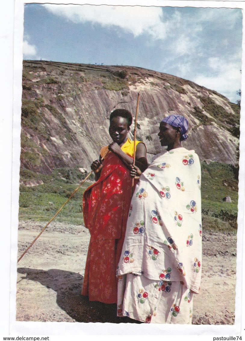 BURUNDI - LES TUTSI D'ORIGINE HAMITIQUE SONT DES PASTEURS DE GRANDE TAILLE ET CONSTITUENT UNE ARISTOCRATIE FEODALE - Burundi