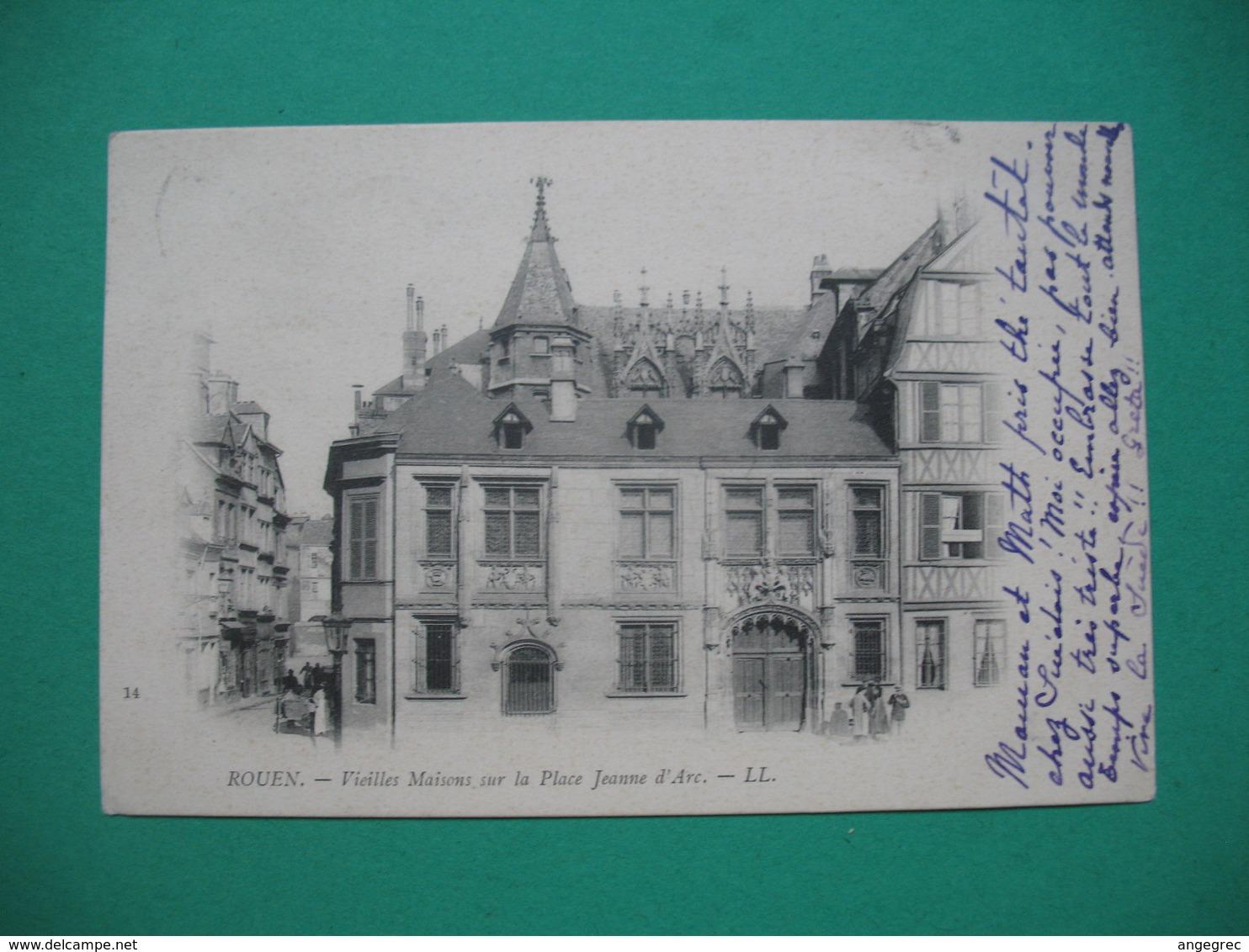 Rouen  Vieilles Maisons Sur La Place Jeanne D'Arc - Monuments