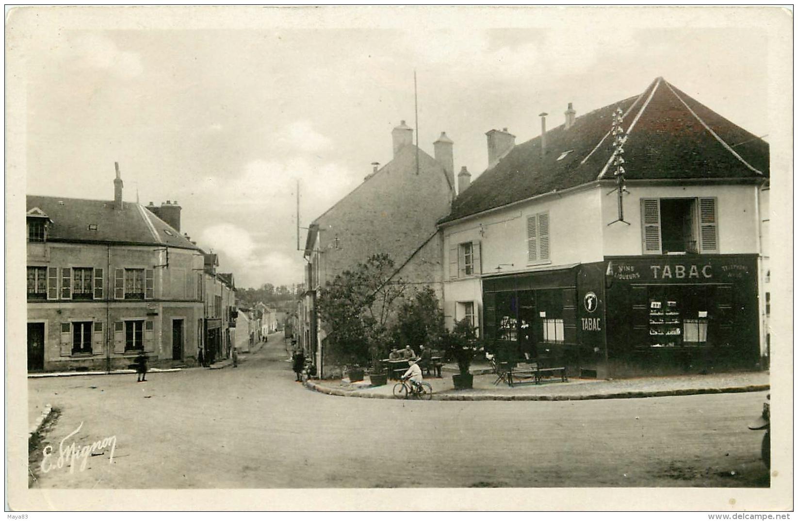 JOUY SUR MORIN LA RUE SAINT PIERRE - France