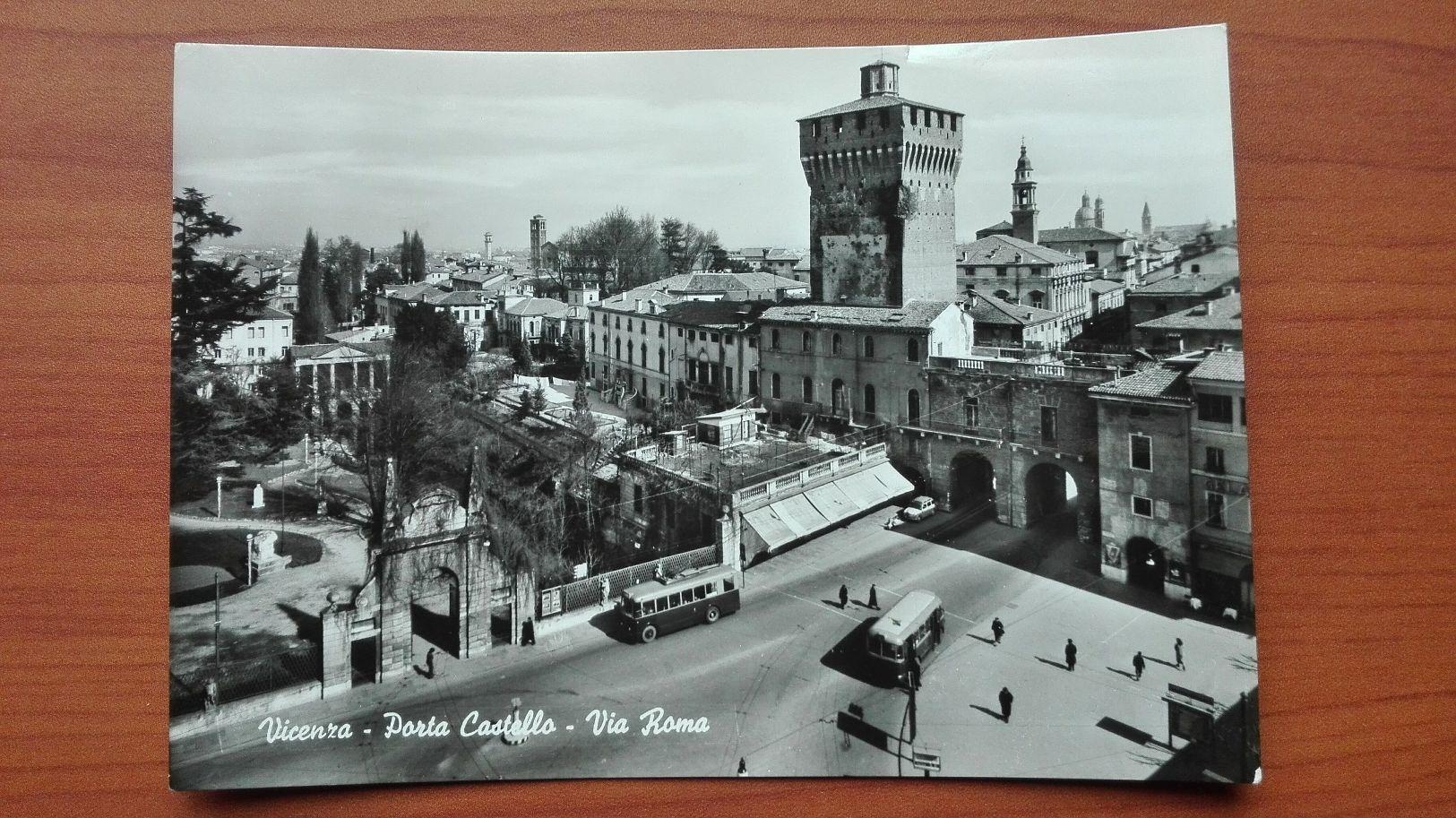 Vicenza - Porta Castello - Via Roma - Vicenza