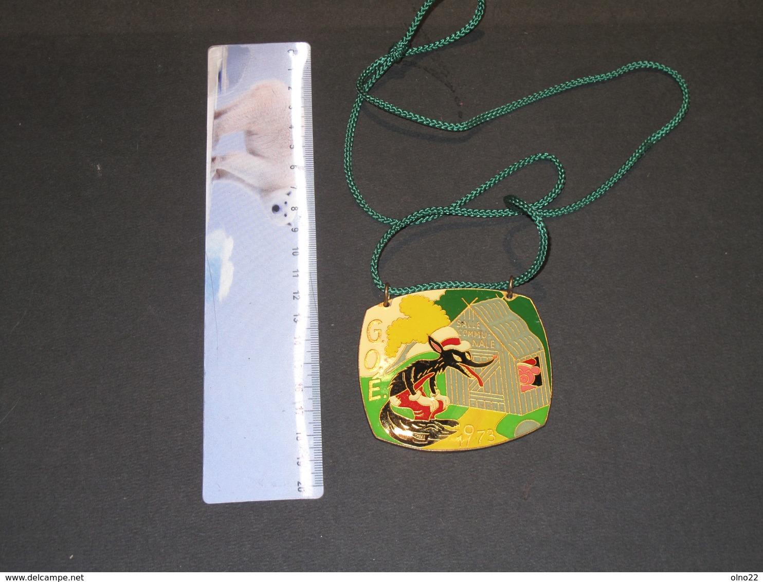 GOE - MAISON COMMUNALE - 1973 - Médaille émaillée Avecconte Loup Et Pêtits Cochons - - Belgium