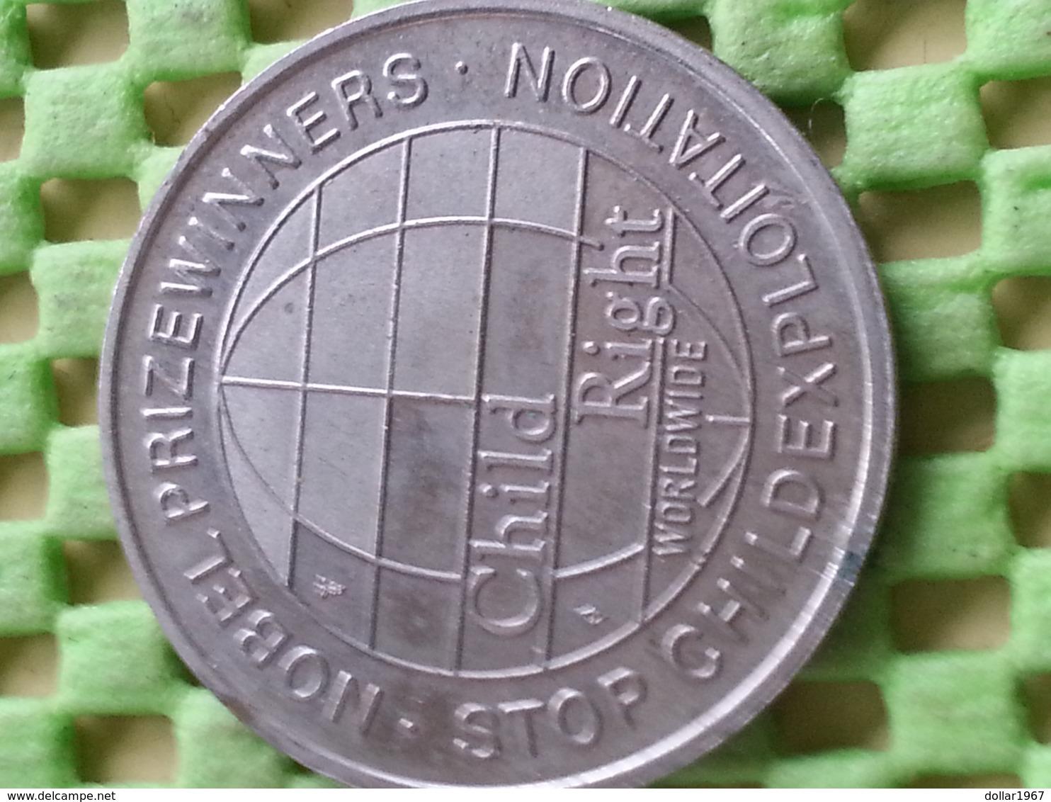 Jan Tinbergen Econoom 1969 Economic  - STOP CHILDEXPLOITATION   -Commemorative Tokens - Pays-Bas