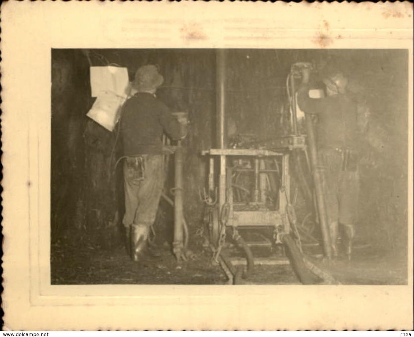 53 - RENAZE - Photo Carrières - Mines - Ardoisières - Mineurs - Photo De 1952 - Métiers
