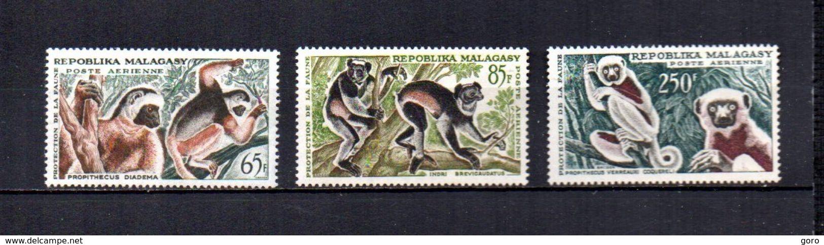 Madagascar   1961   .-   Y&T Nº   84/86     Aéreos    (  *   S/goma  ) - Madagascar (1960-...)