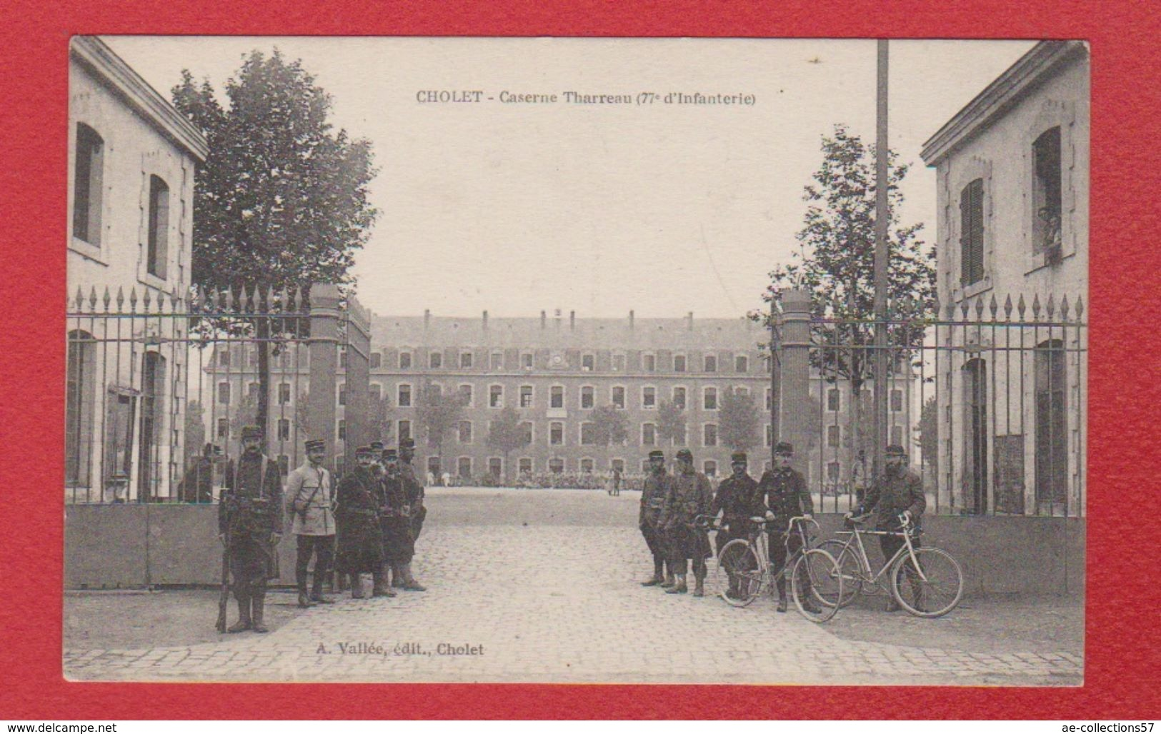 Cholet  -  Caserne Tharreau - Cholet