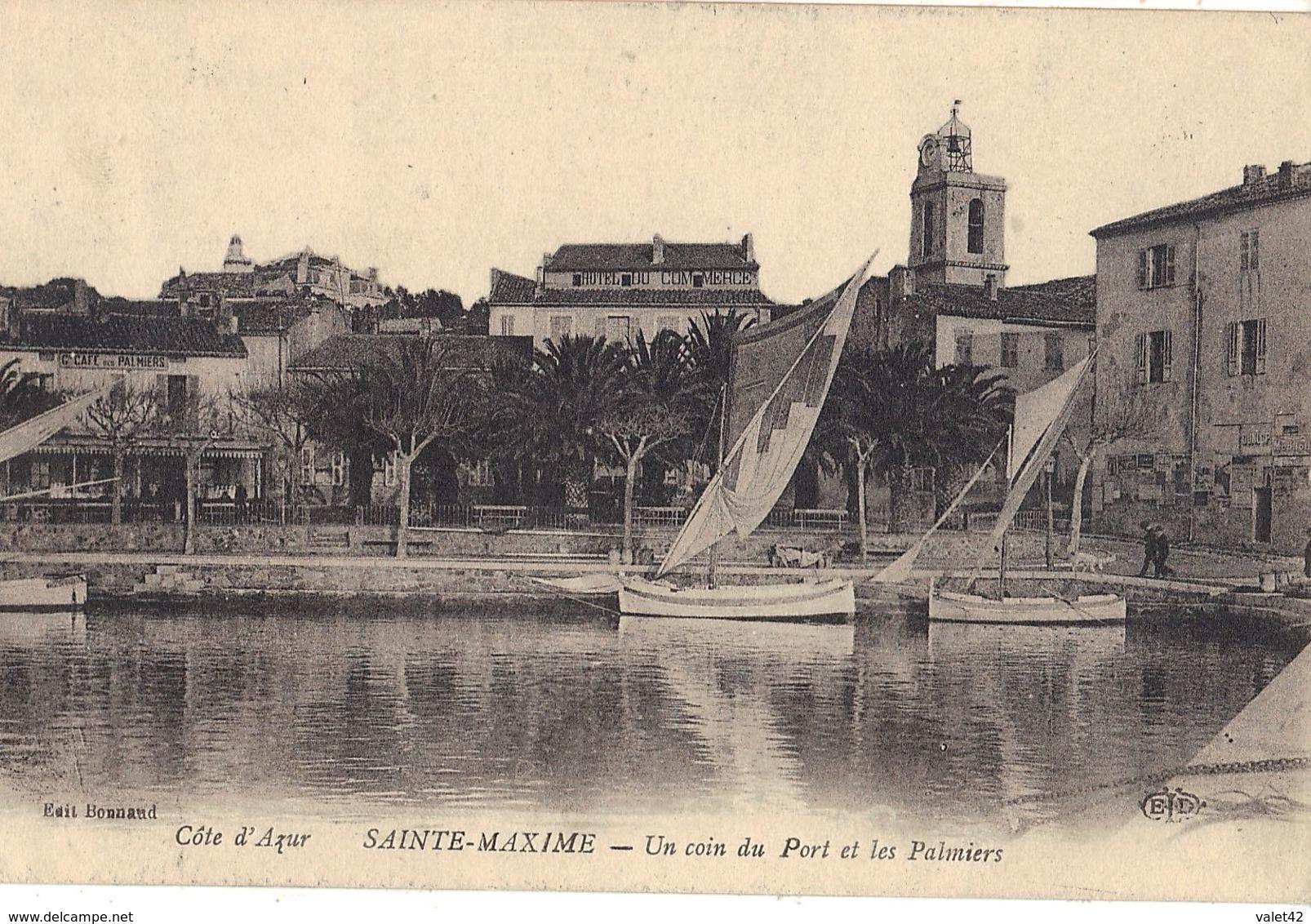 83 SAINTE MAXIME  UN COIN DU PORT ET LES PALMIERS - Sainte-Maxime