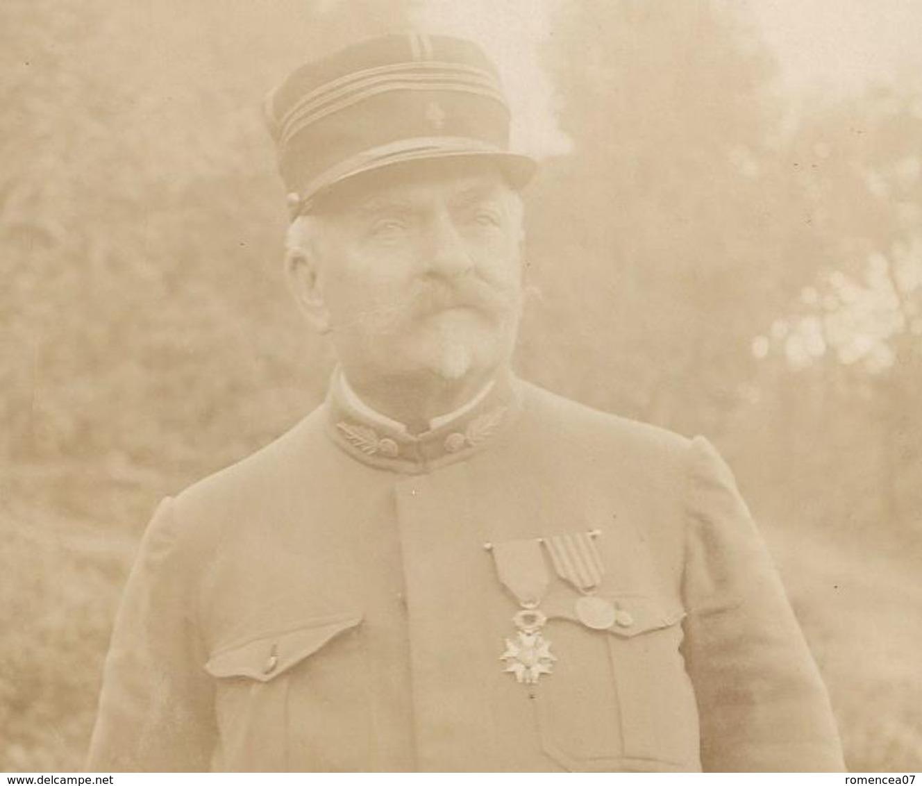 CAPITAINE De L'ARMEE FRANCAISE MEDAILLE - Vers Guerre 1914-18 - Photographie - WW1 - A Voir ! - War, Military