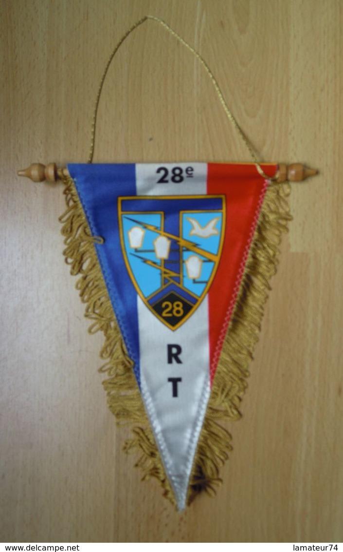 Fanion Du 28° Régiment Des Transmissions  -  28° RT - Drapeaux