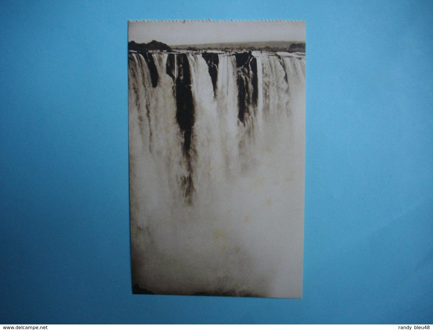 ZIMBABWE  -  Victoria Falls  -   Part Of Main Falls    -  Chutes Victoria  - Fleuve Zambèze  - - Simbabwe