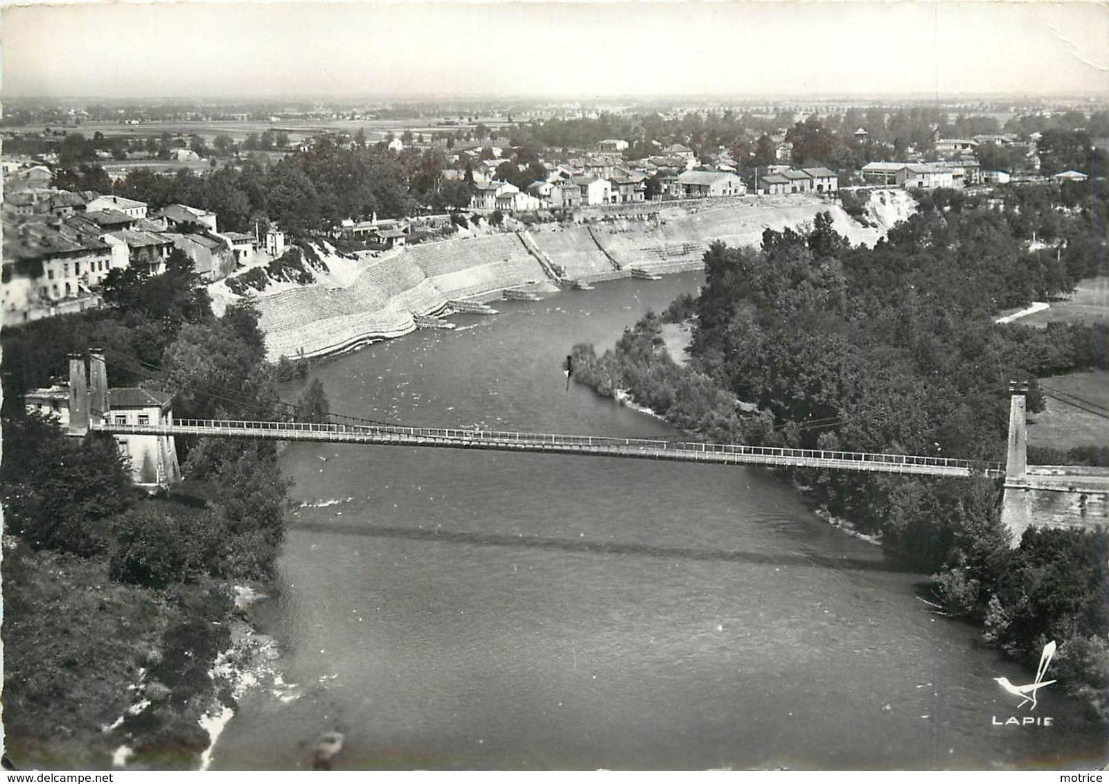 CARBONNE - Le Pont Suspendu. - Autres Communes
