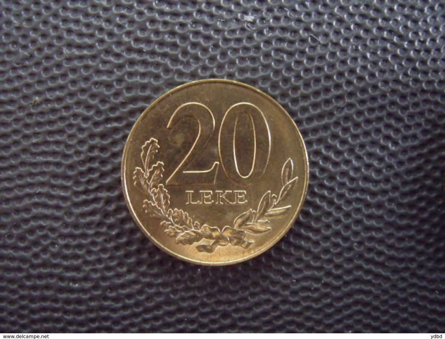 ALBANIE = UNE MONNAIE DE 20 LEKE DE 2000 - Albanie