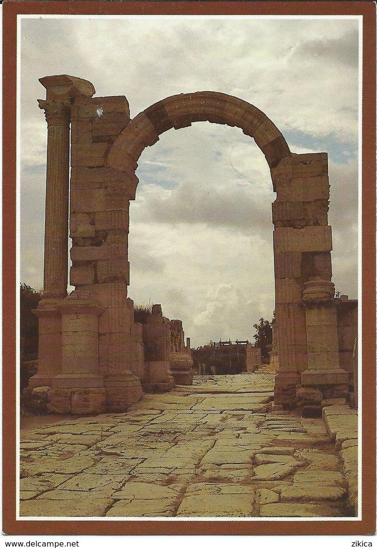 Arc De Triomphe / Porte Triomphale - Arabian?Lybia Postcard - Yugoslavia Stamp - Monuments