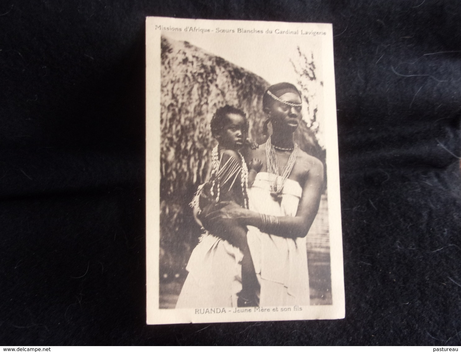 Ruanda .Jeune Mère Et Son Fils. Voir 2 Scans . - Ruanda-Urundi