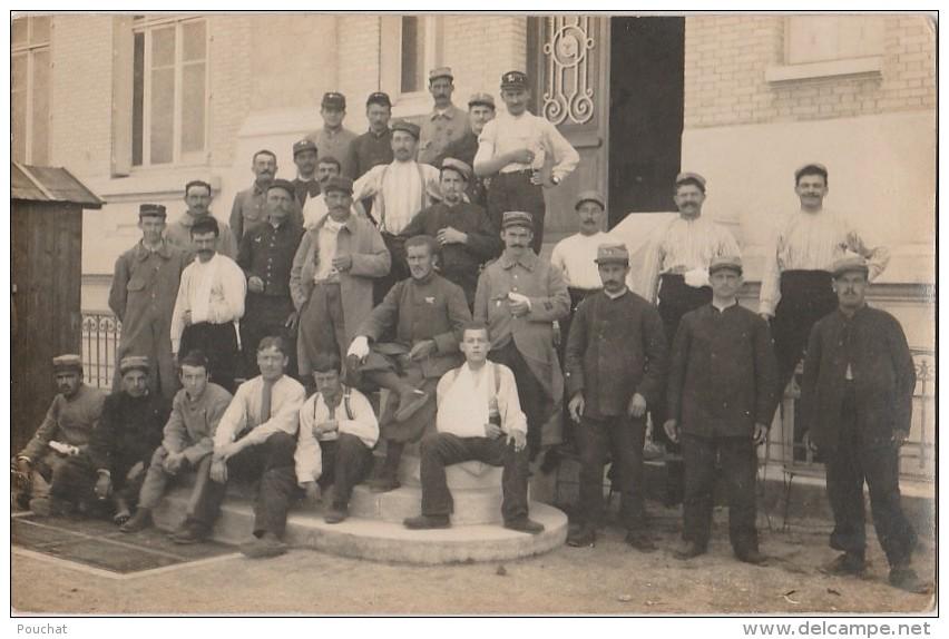 OP2- 14) MONDEVILLE  LE 22 JUILLET 1913 - CARTE PHOTO - MILITAIRES DEVANT L'HOPITAL TEMPORAIRE - 2 SCANS) - France