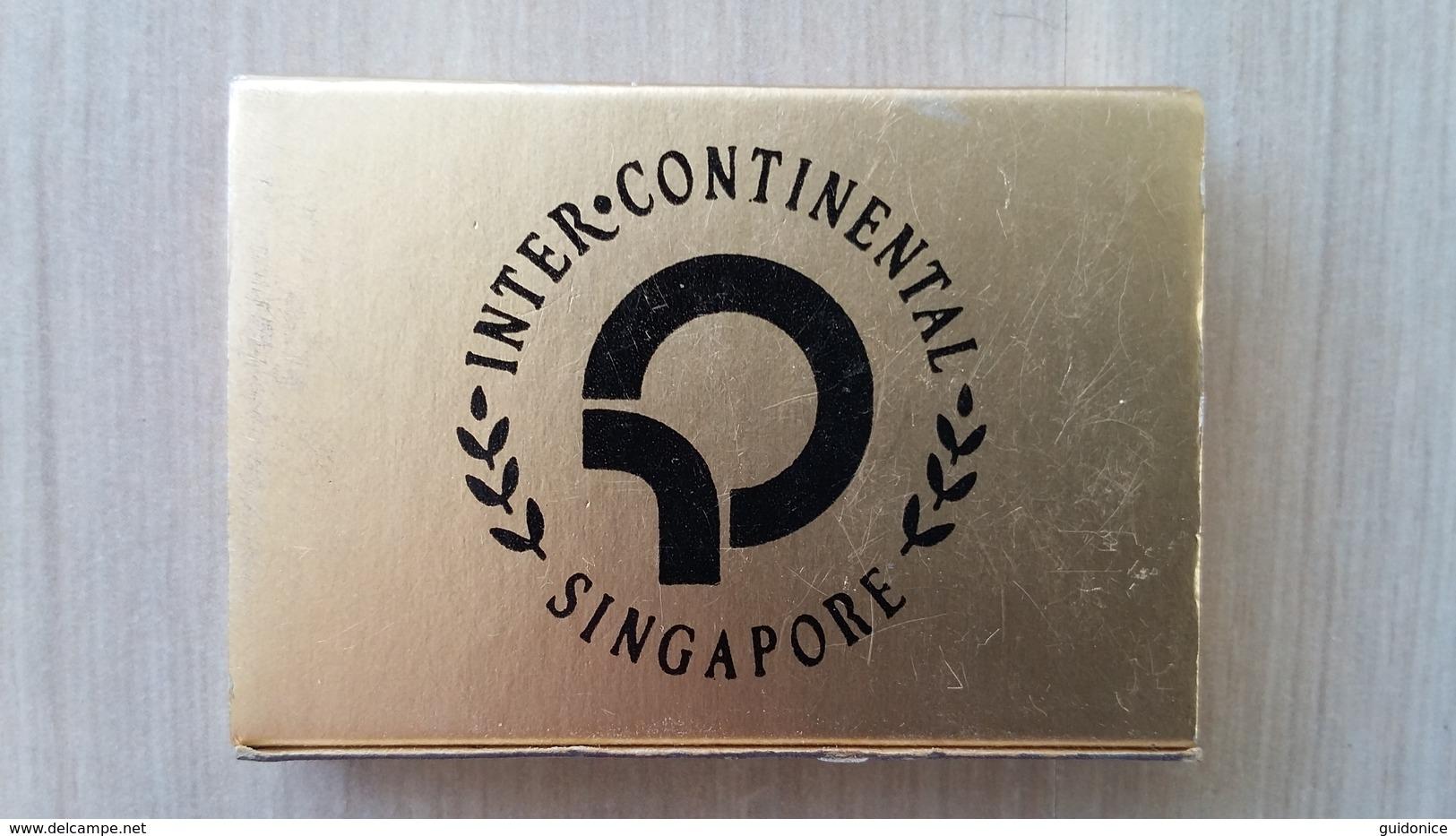 Zündholzschachtel (golden) Mit Hotel-Werbung (Singapur) - Zündholzschachteln