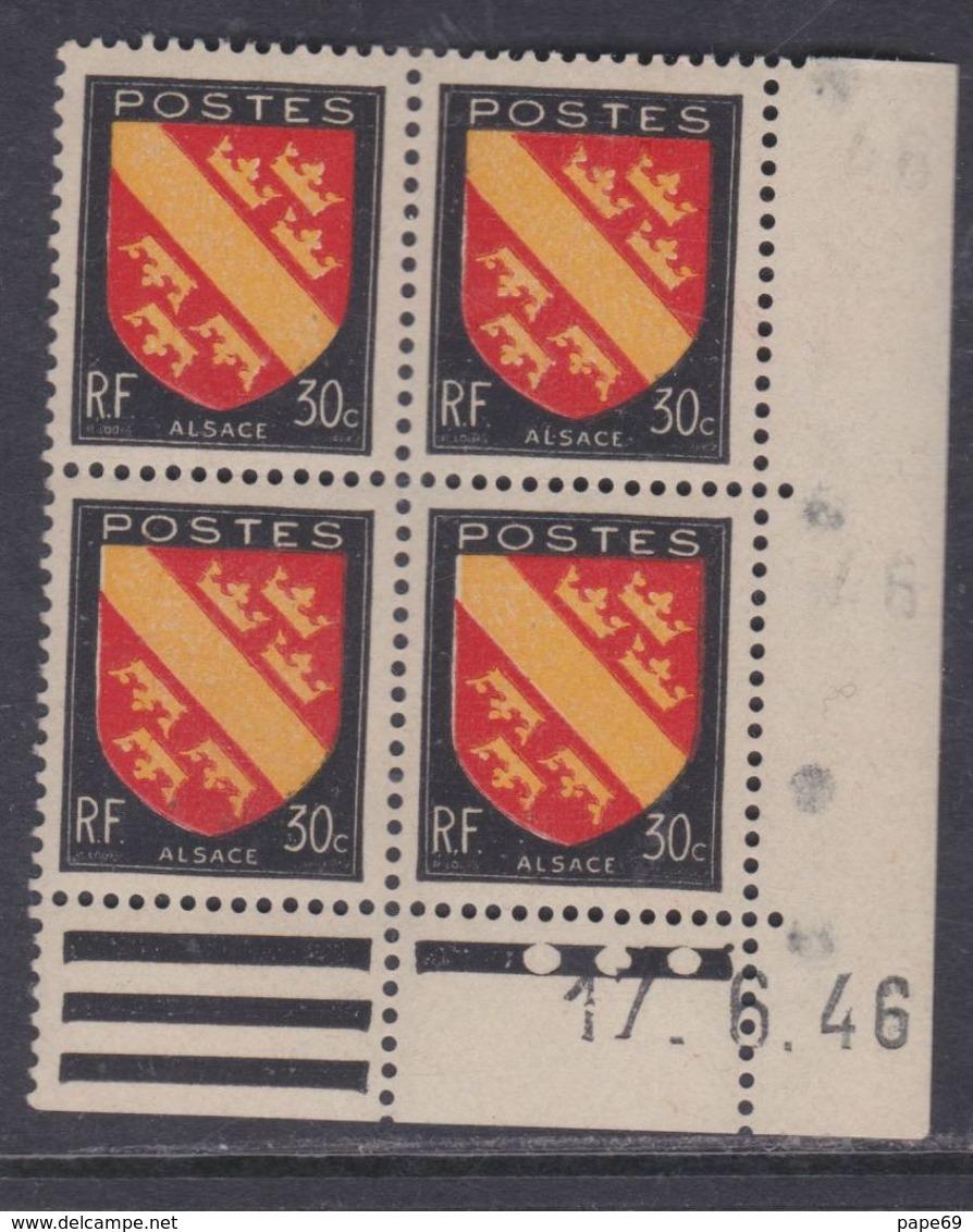 France N° 756 XX : Armoiries De Provinces : Alsace  En Bloc De 4 Coin Daté Du 17 . 6 . 46 : 3 Pts Blancs Sans Char. TB - Dated Corners