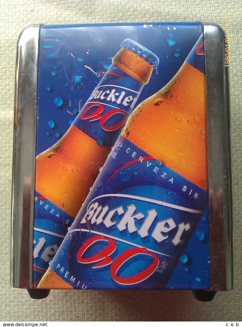 Servilletero Cerveza Buckler 0,0. España - Servilletas Publicitarias