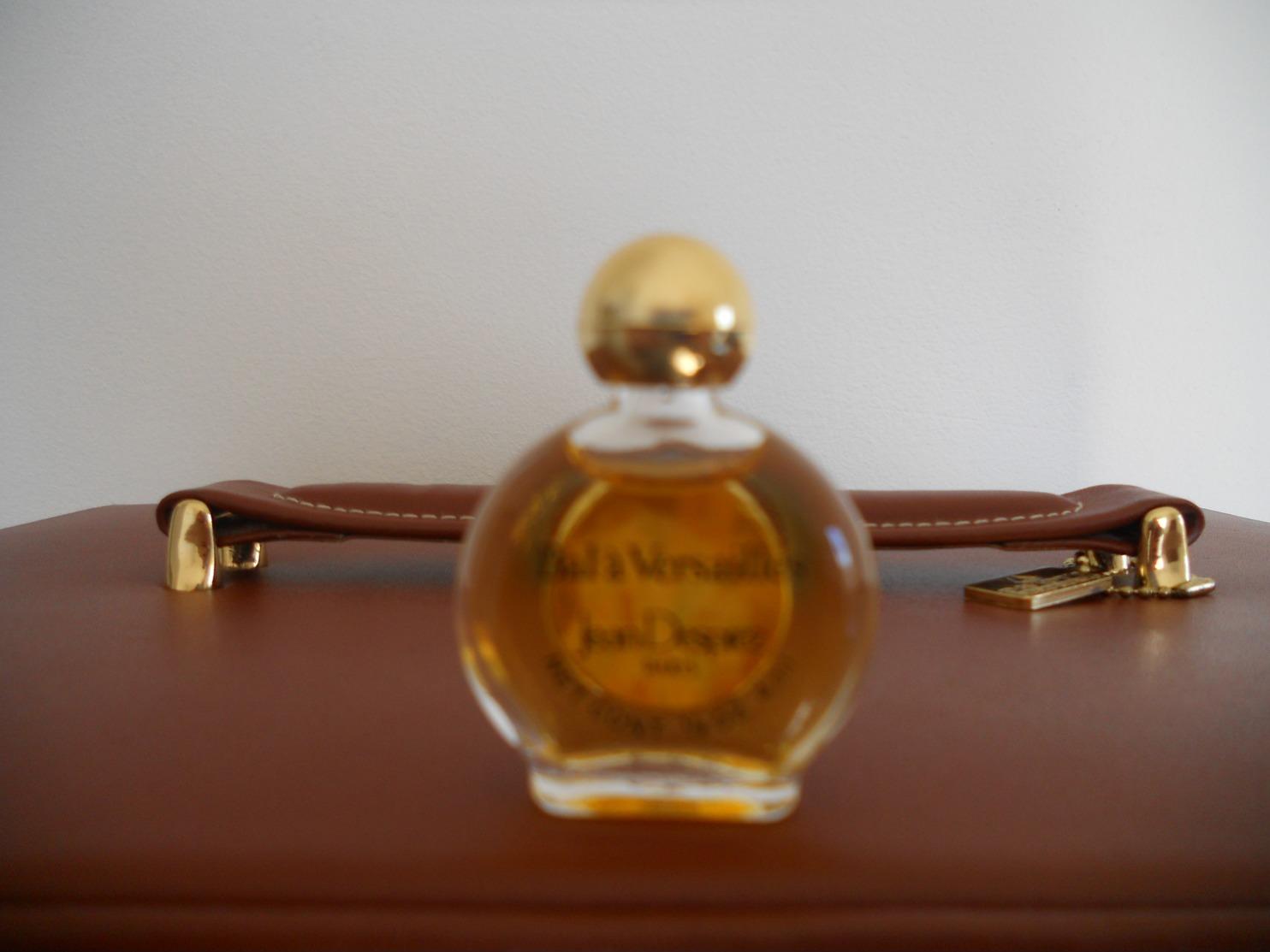 BAL A VERSAILLES   Chez Jean DESPREZ - Miniatures Femmes (sans Boite)
